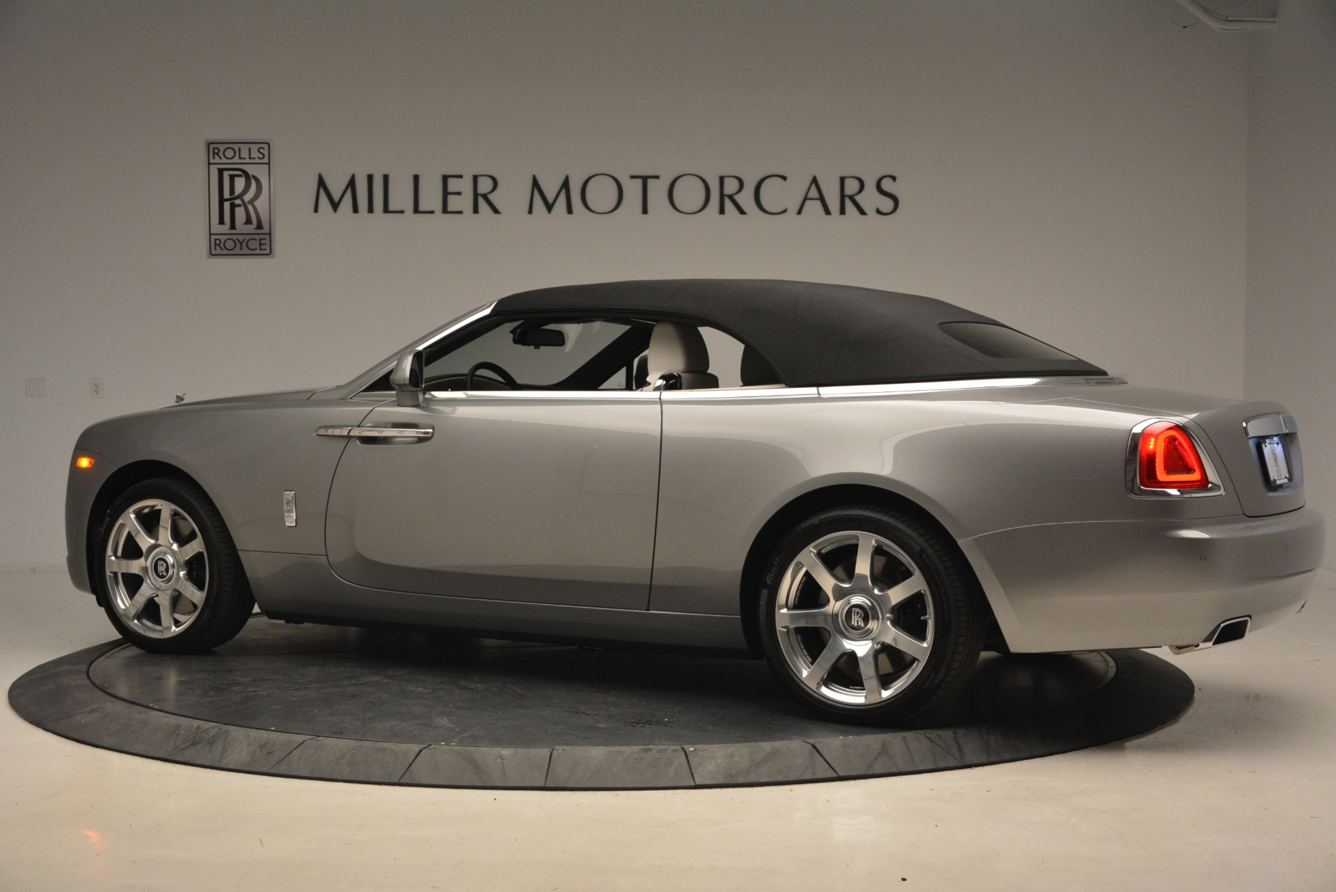 Used 2016 Rolls-Royce Dawn  For Sale In Greenwich, CT 1283_p17