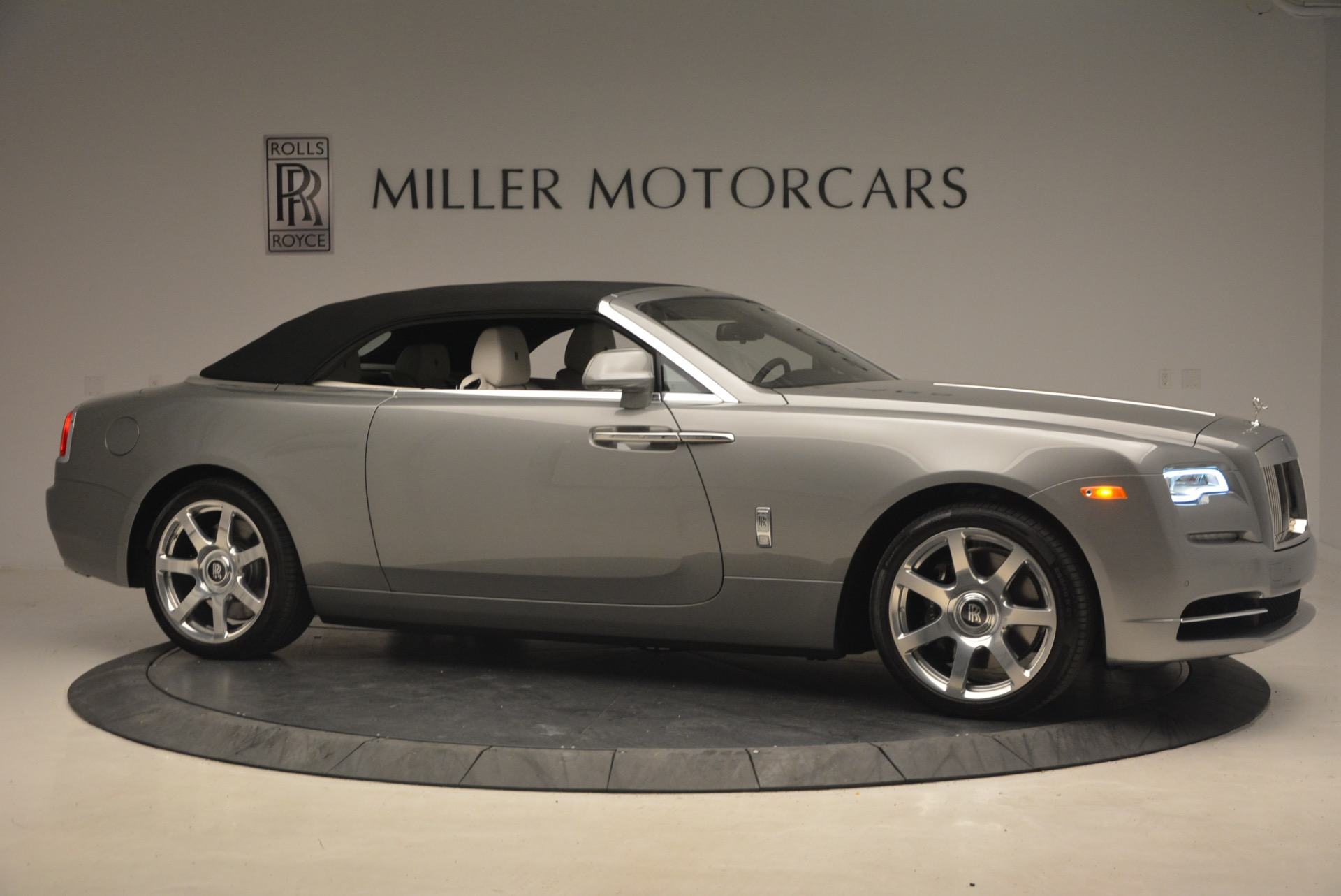Used 2016 Rolls-Royce Dawn  For Sale In Greenwich, CT 1283_p23