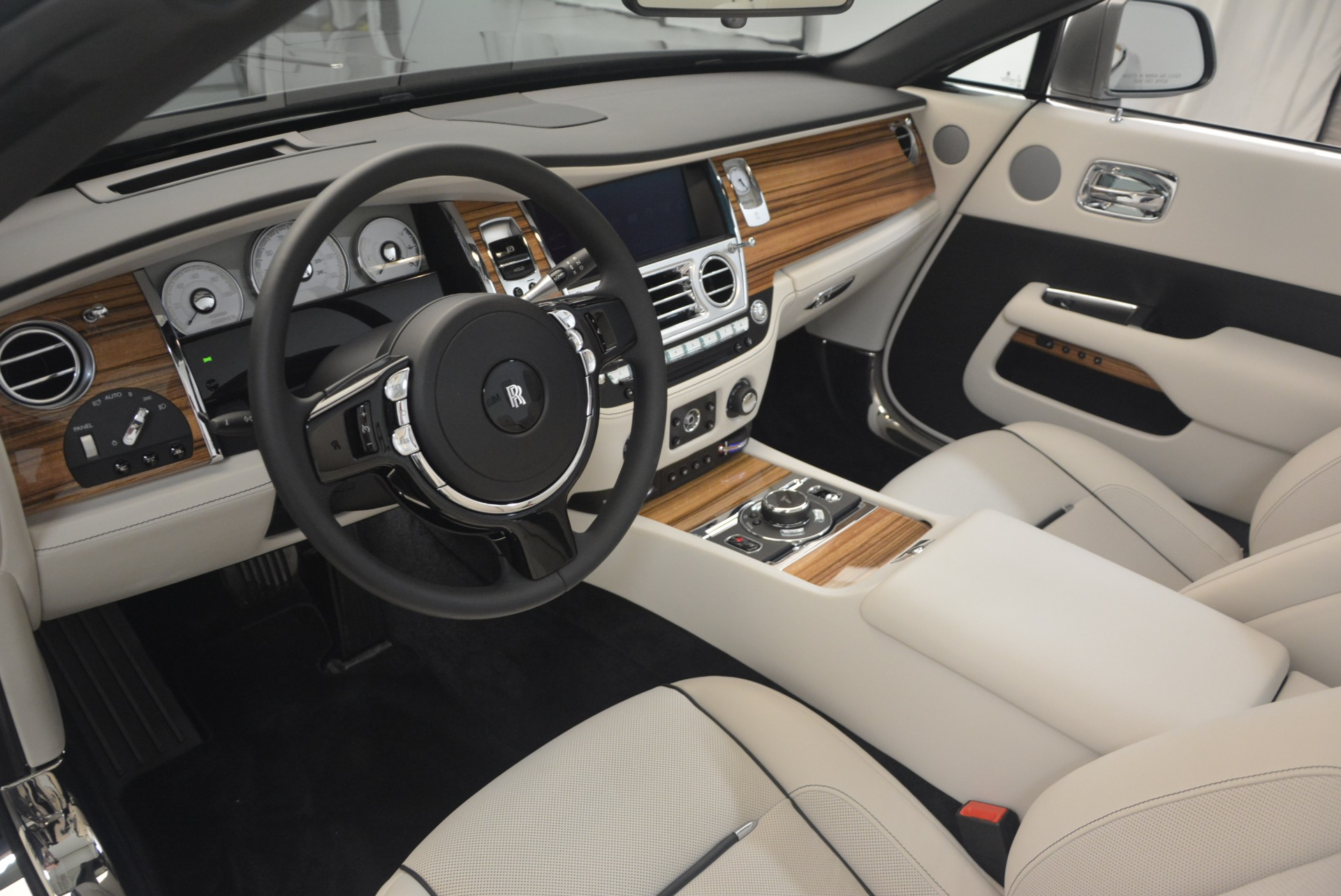 Used 2016 Rolls-Royce Dawn  For Sale In Greenwich, CT 1283_p33