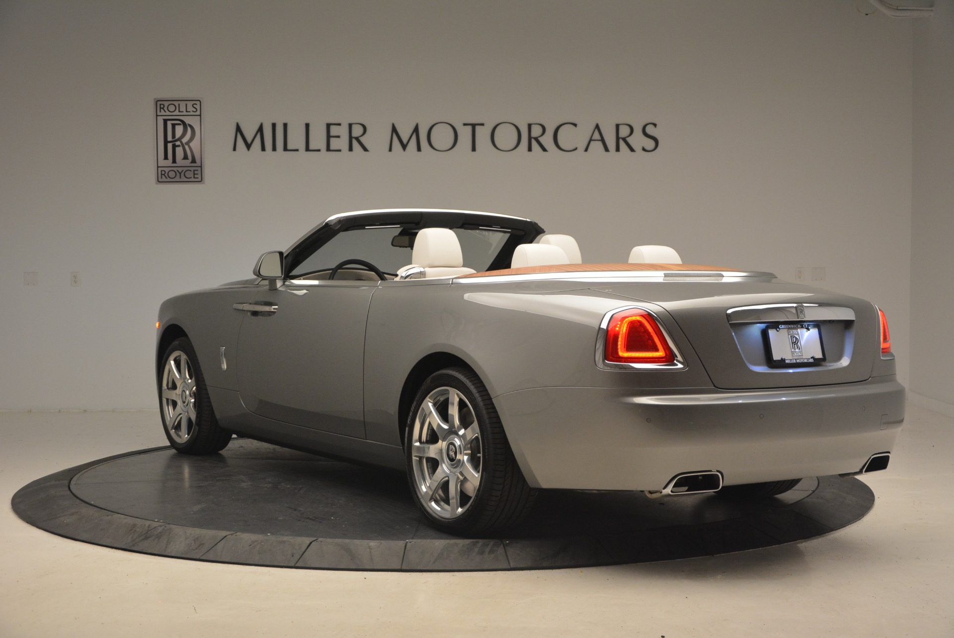 Used 2016 Rolls-Royce Dawn  For Sale In Greenwich, CT 1283_p5