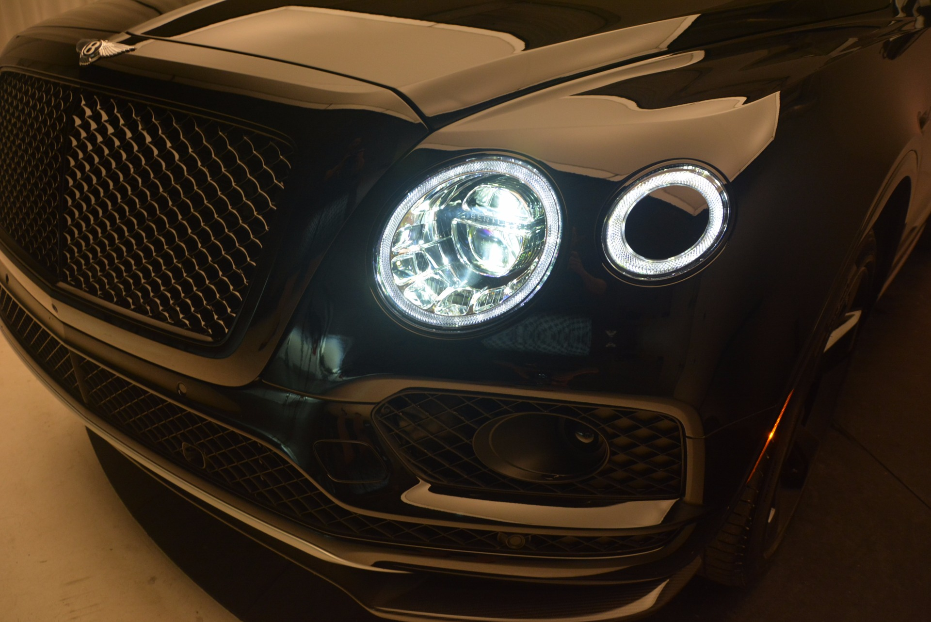 New 2018 Bentley Bentayga Black Edition For Sale In Greenwich, CT 1287_p17