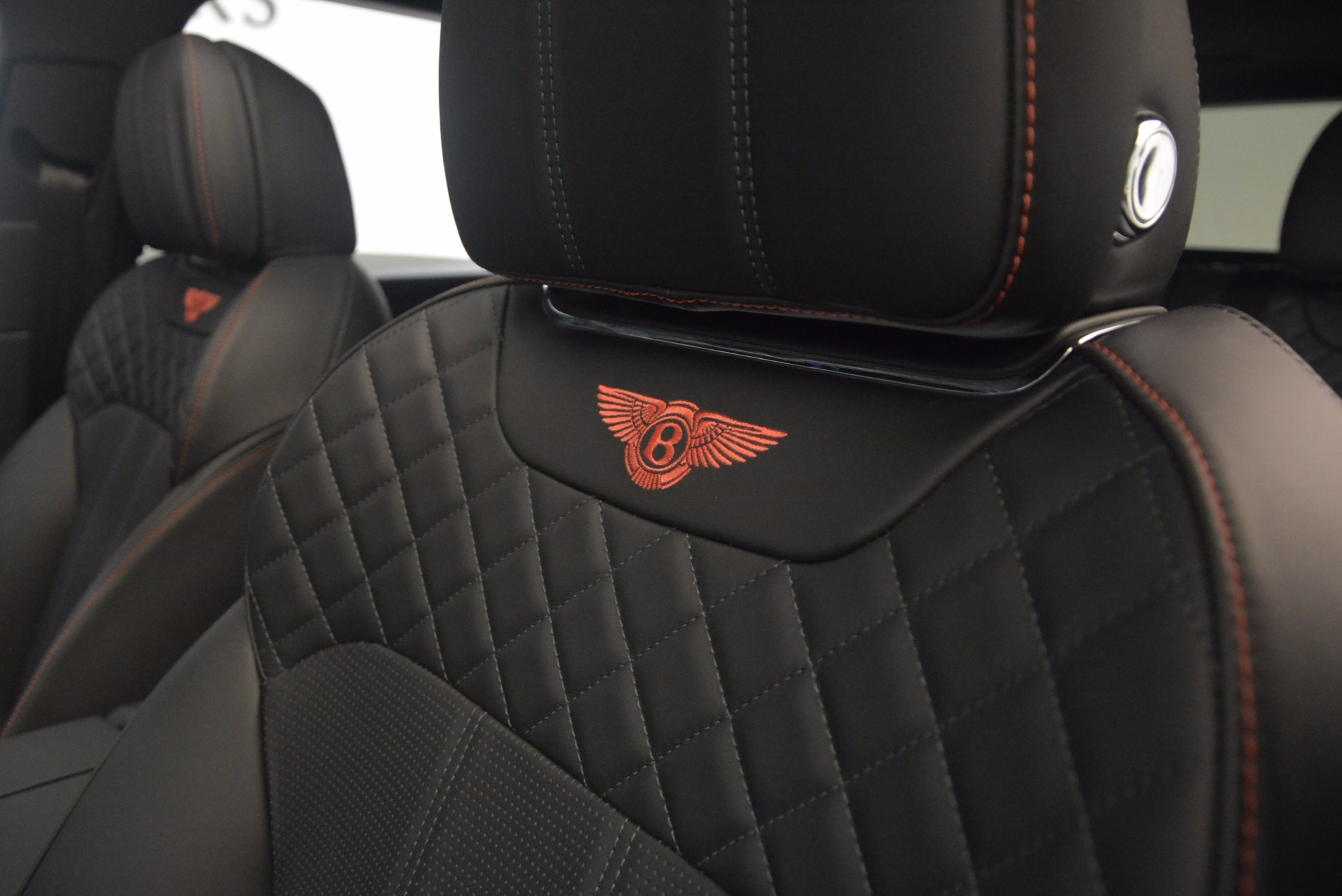 New 2018 Bentley Bentayga Black Edition For Sale In Greenwich, CT 1287_p35
