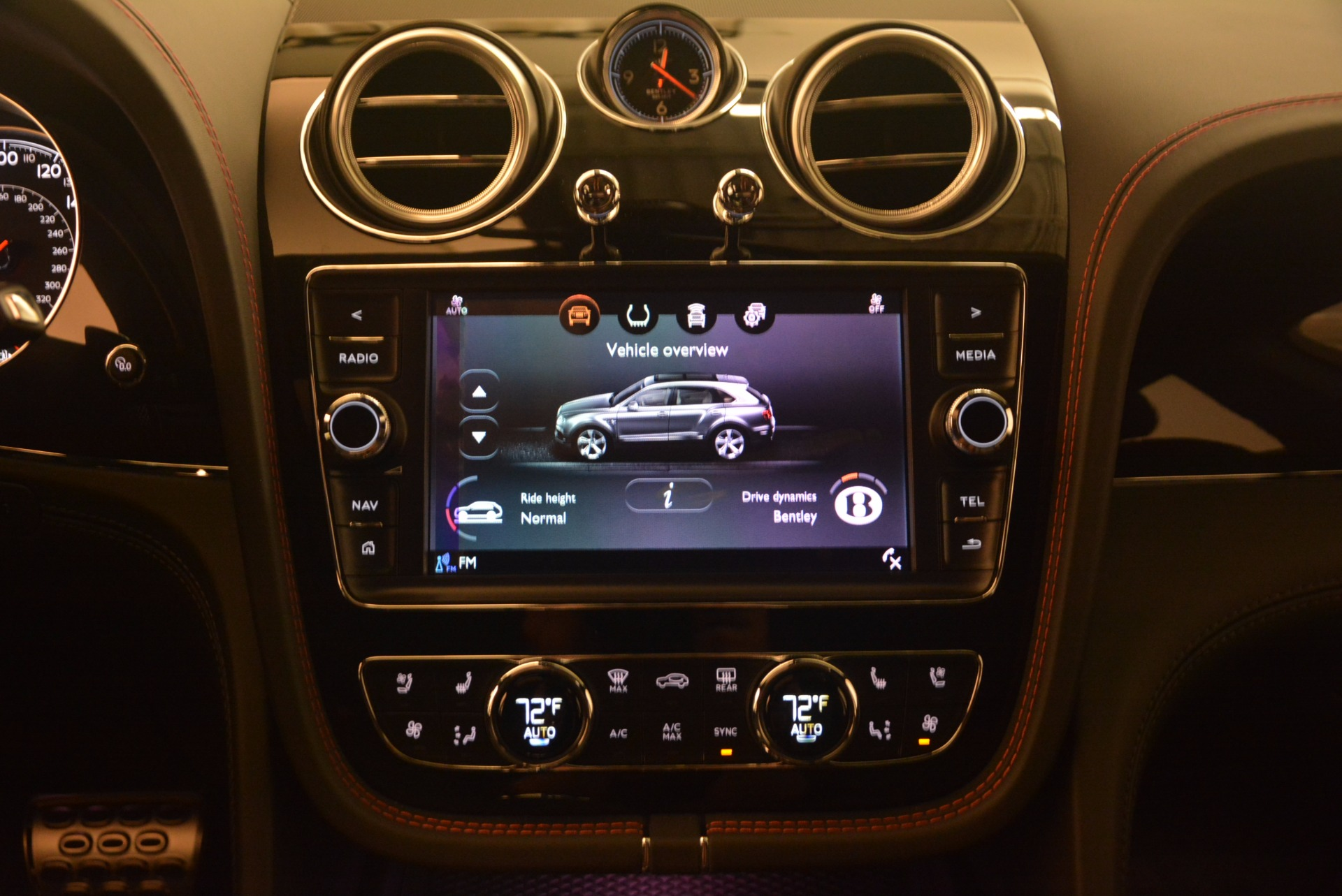 New 2018 Bentley Bentayga Black Edition For Sale In Greenwich, CT 1287_p38
