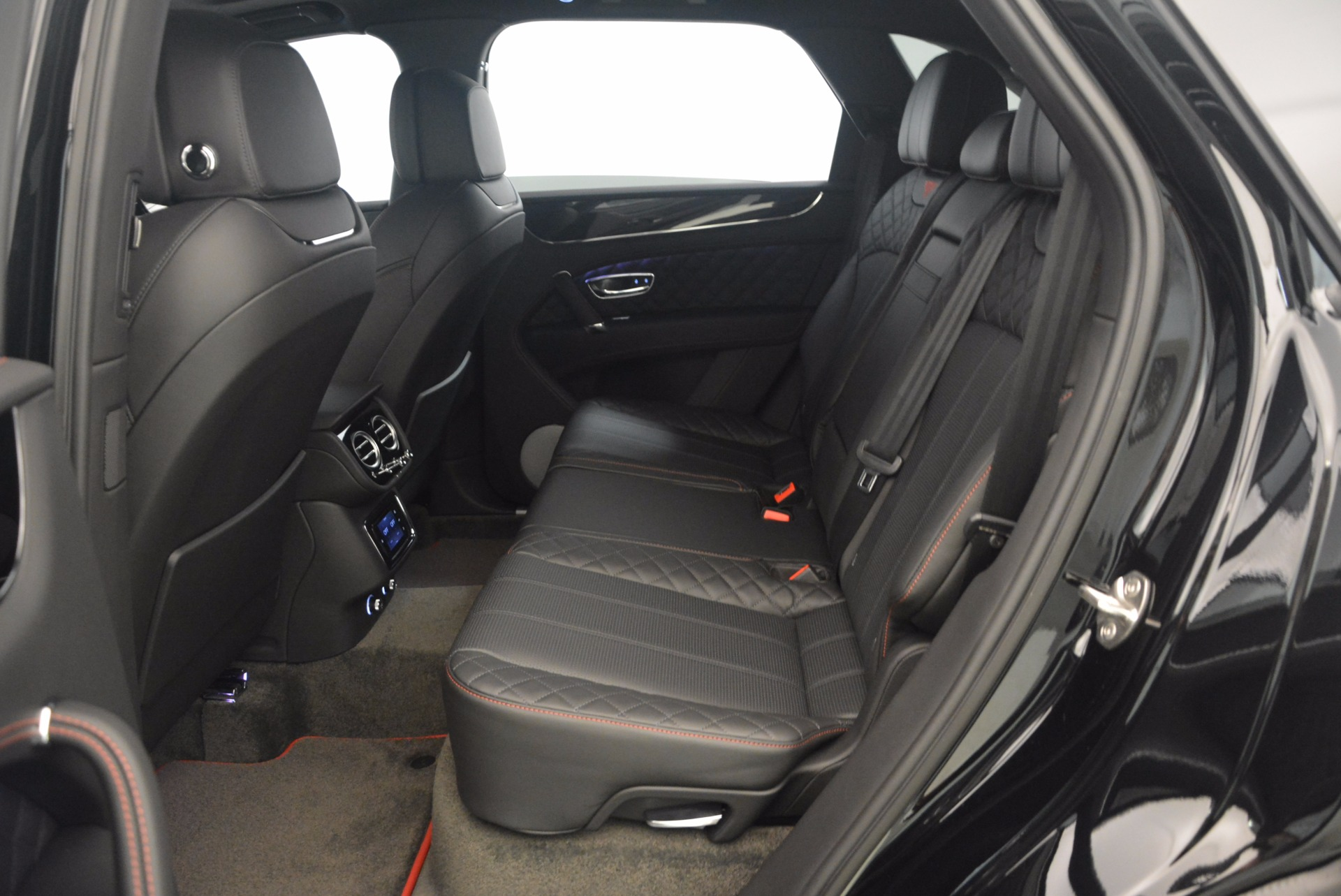 New 2018 Bentley Bentayga Black Edition For Sale In Greenwich, CT 1287_p42