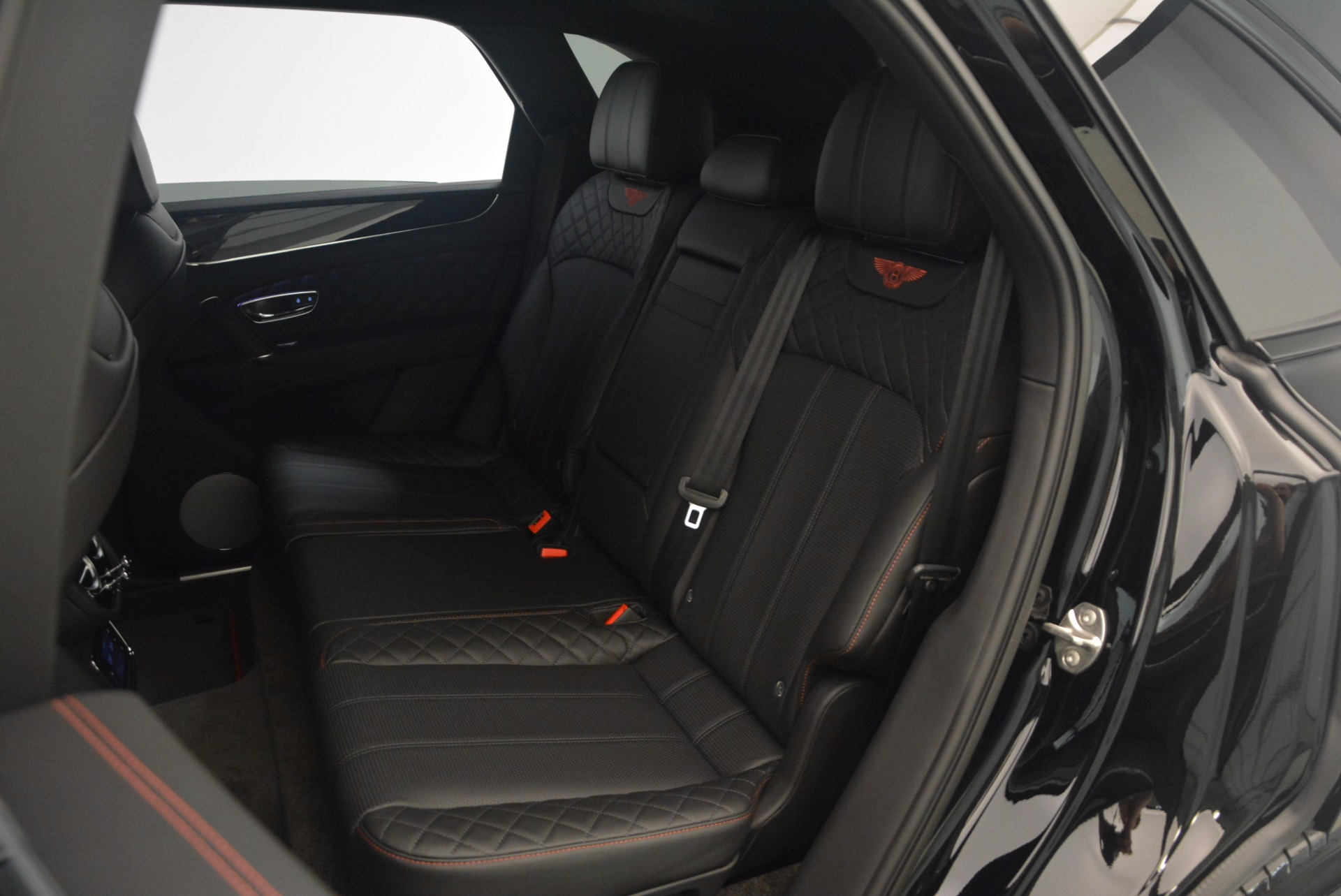 New 2018 Bentley Bentayga Black Edition For Sale In Greenwich, CT 1287_p43