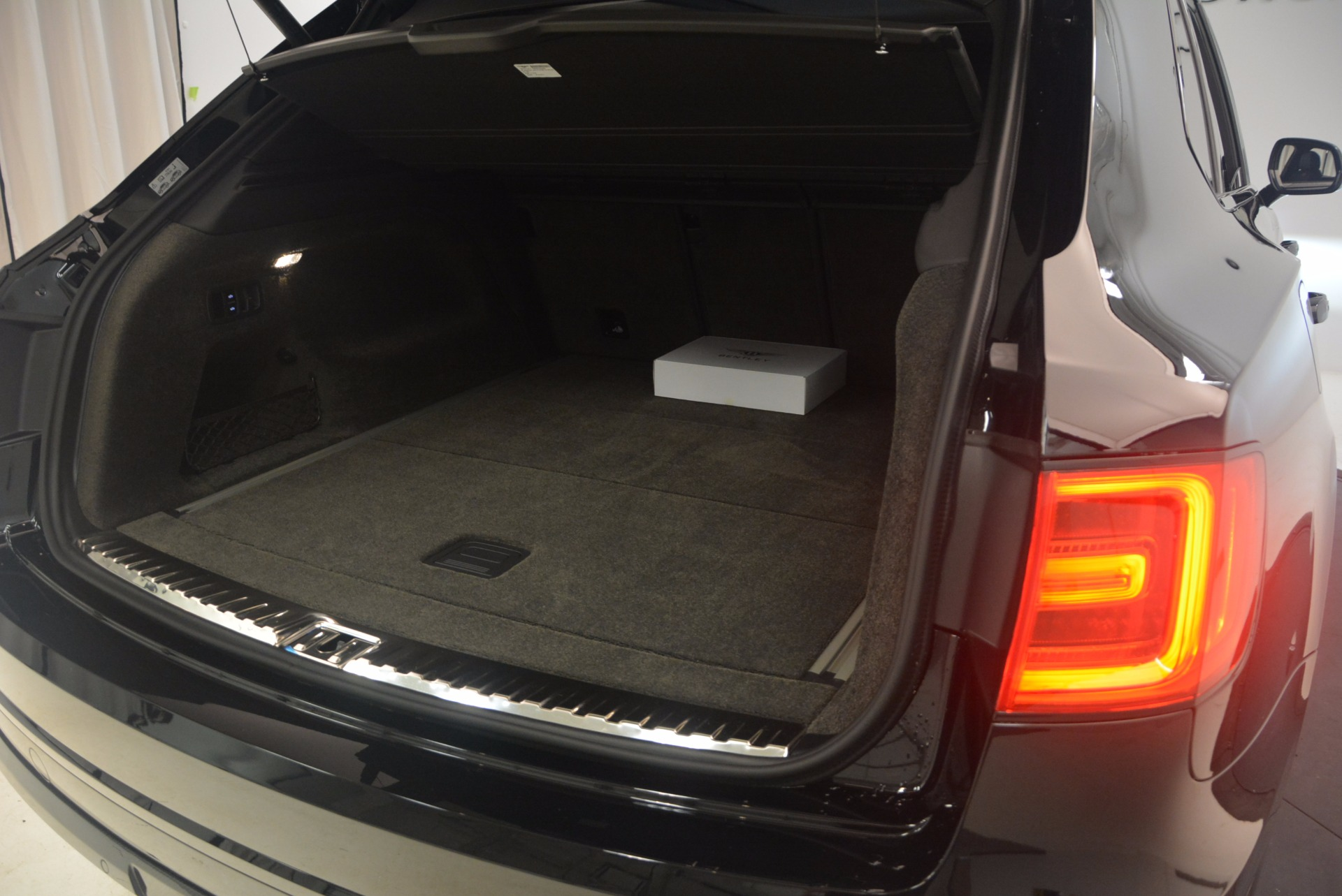 New 2018 Bentley Bentayga Black Edition For Sale In Greenwich, CT 1287_p52