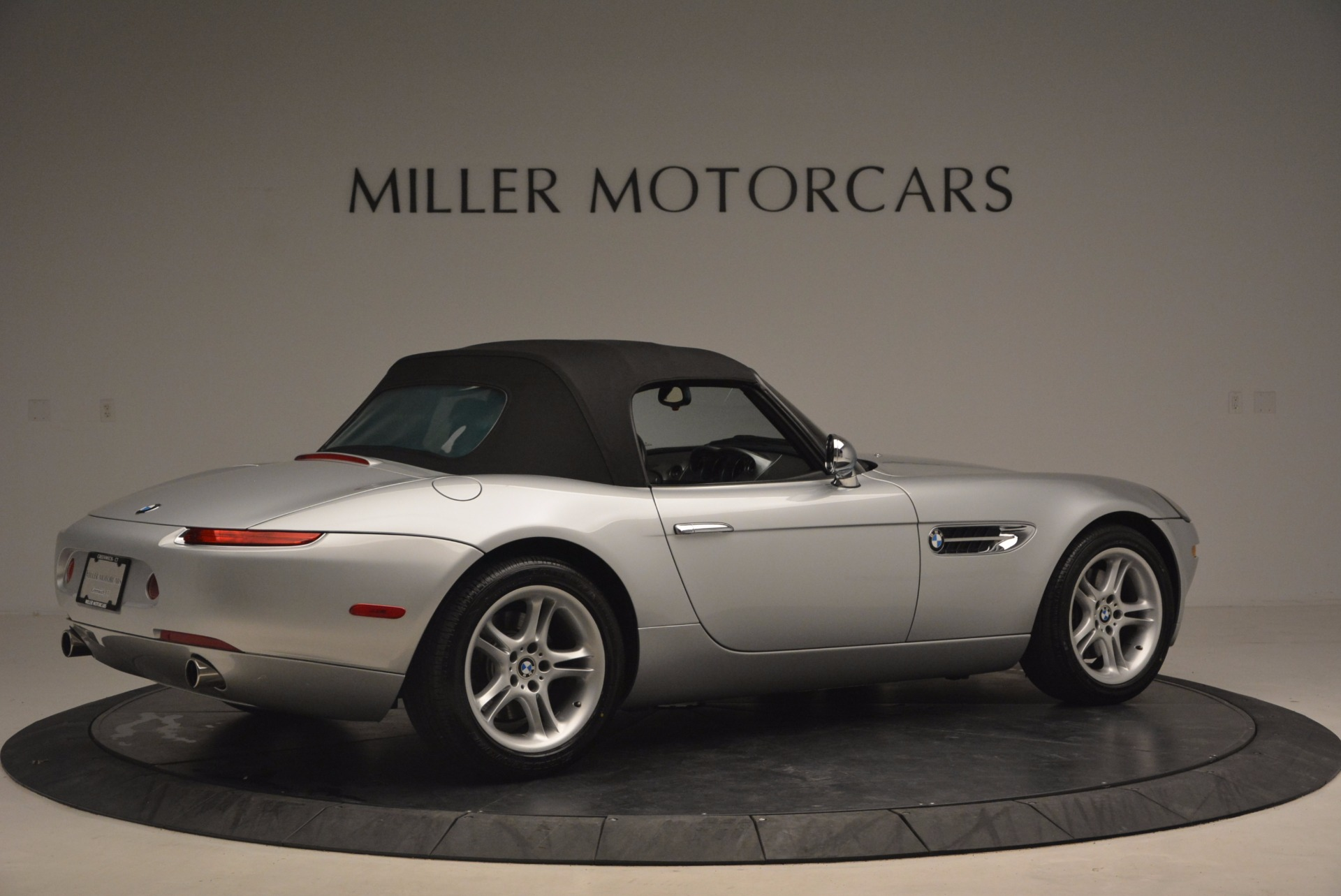 Used 2001 BMW Z8  For Sale In Greenwich, CT 1293_p20