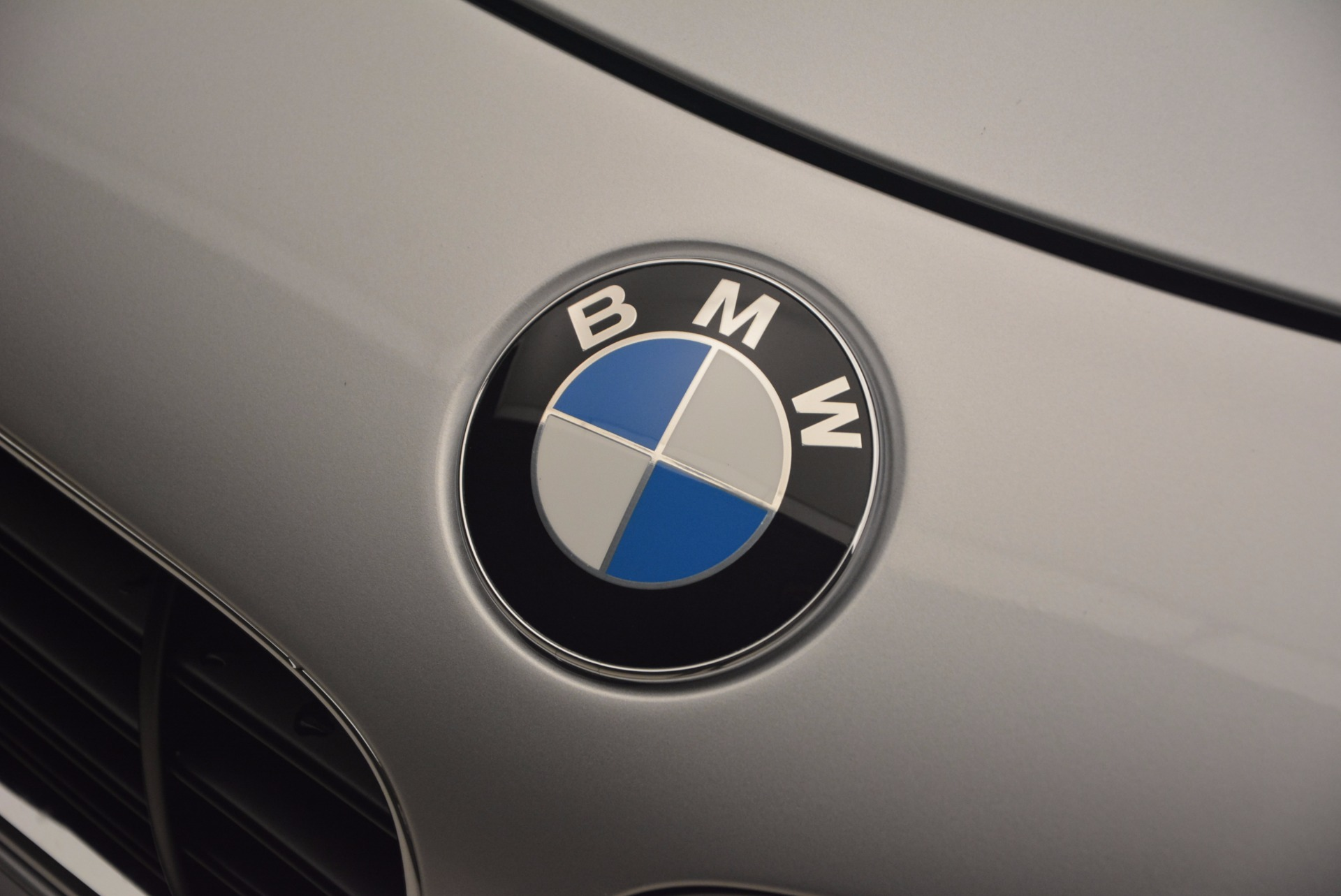Used 2001 BMW Z8  For Sale In Greenwich, CT 1293_p27