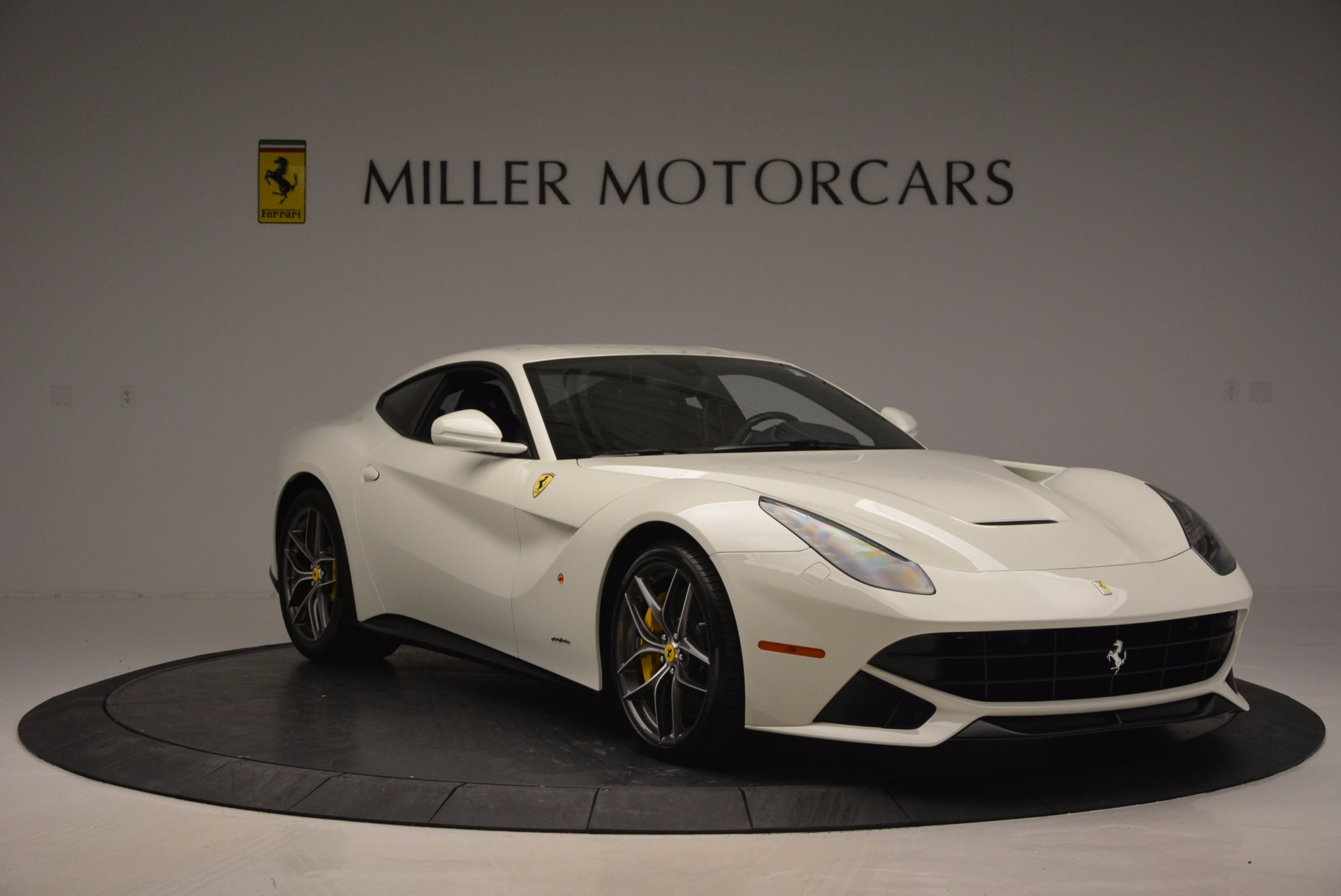 Used 2017 Ferrari F12 Berlinetta  For Sale In Greenwich, CT 1297_p11