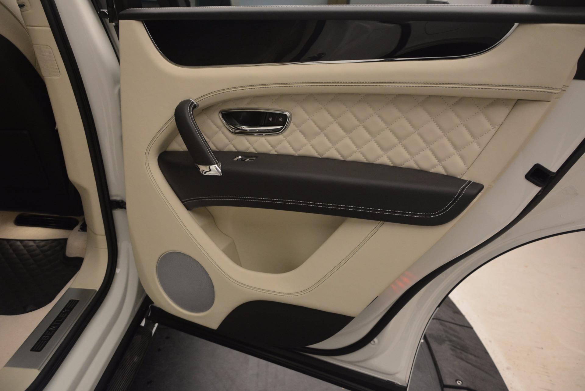 New 2018 Bentley Bentayga Black Edition For Sale In Greenwich, CT 1302_p43