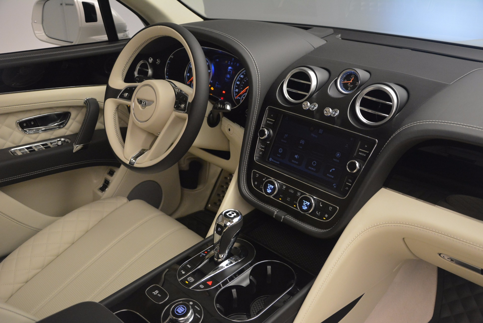 New 2018 Bentley Bentayga Black Edition For Sale In Greenwich, CT 1302_p51
