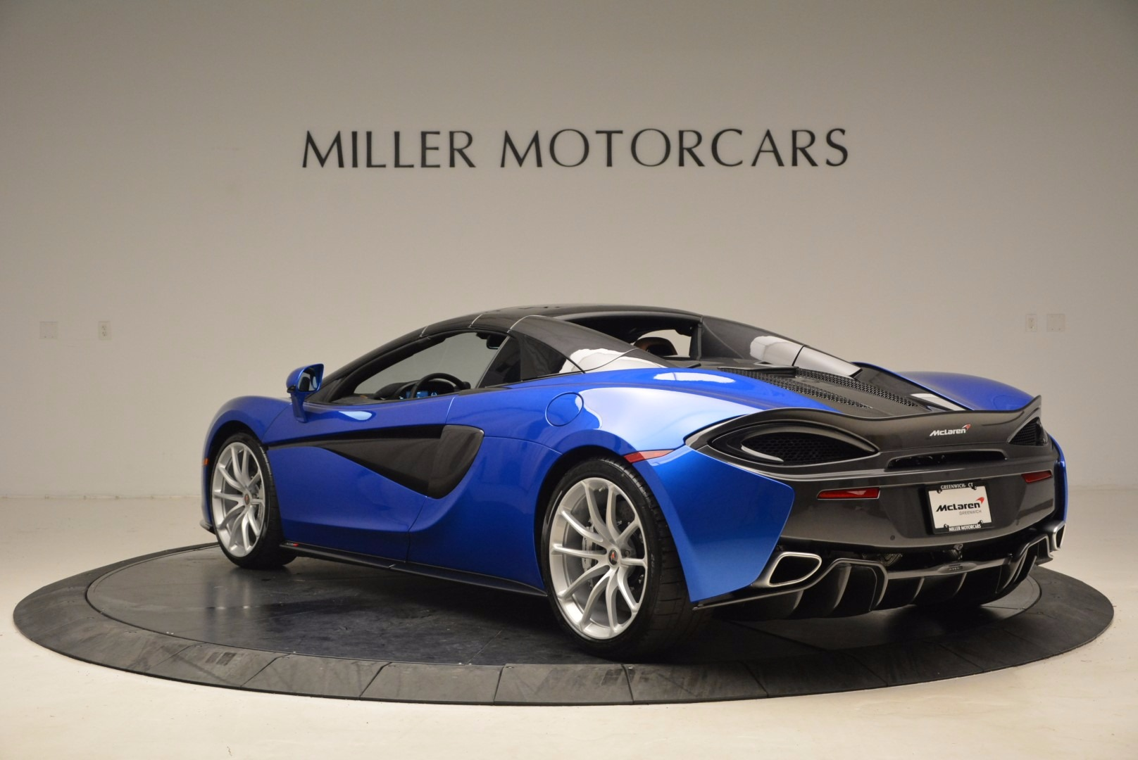Used 2018 McLaren 570S Spider For Sale In Greenwich, CT 1303_p17