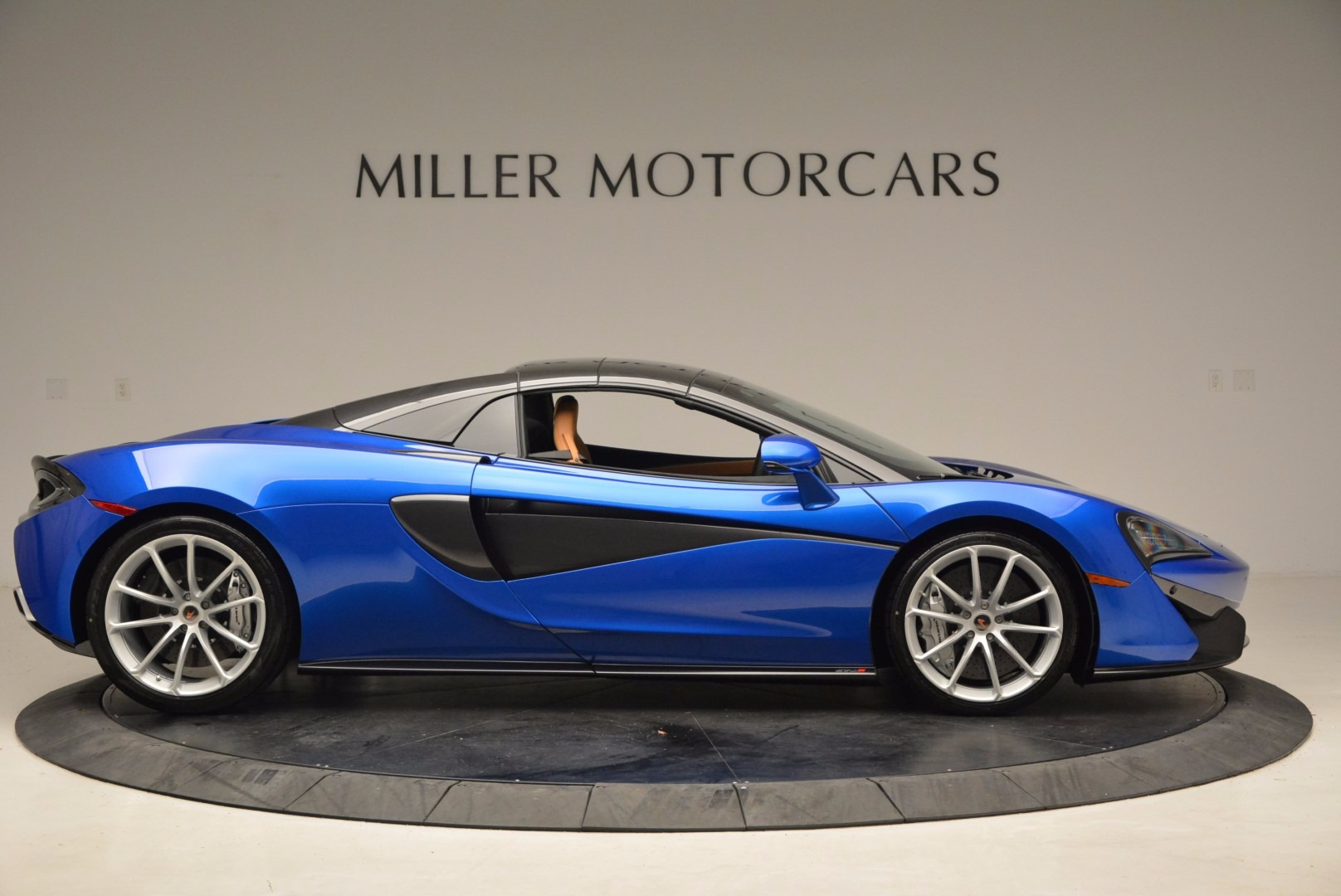 Used 2018 McLaren 570S Spider For Sale In Greenwich, CT 1303_p20