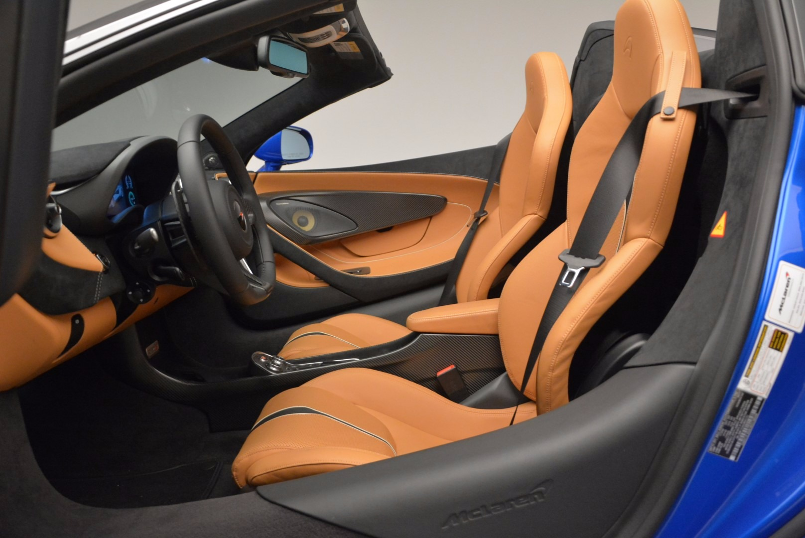 Used 2018 McLaren 570S Spider For Sale In Greenwich, CT 1303_p27
