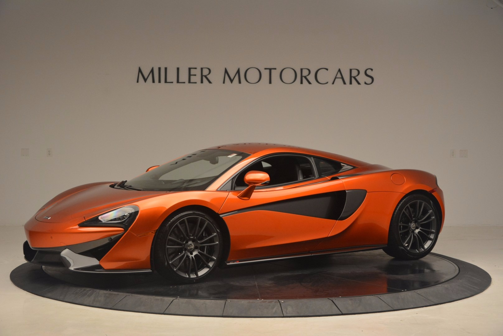 Used 2017 McLaren 570S  For Sale In Greenwich, CT 1304_p2