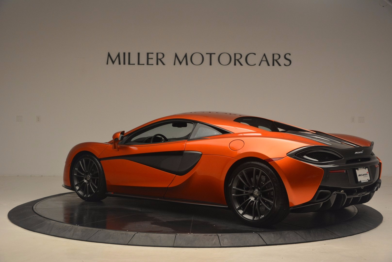 Used 2017 McLaren 570S  For Sale In Greenwich, CT 1304_p4