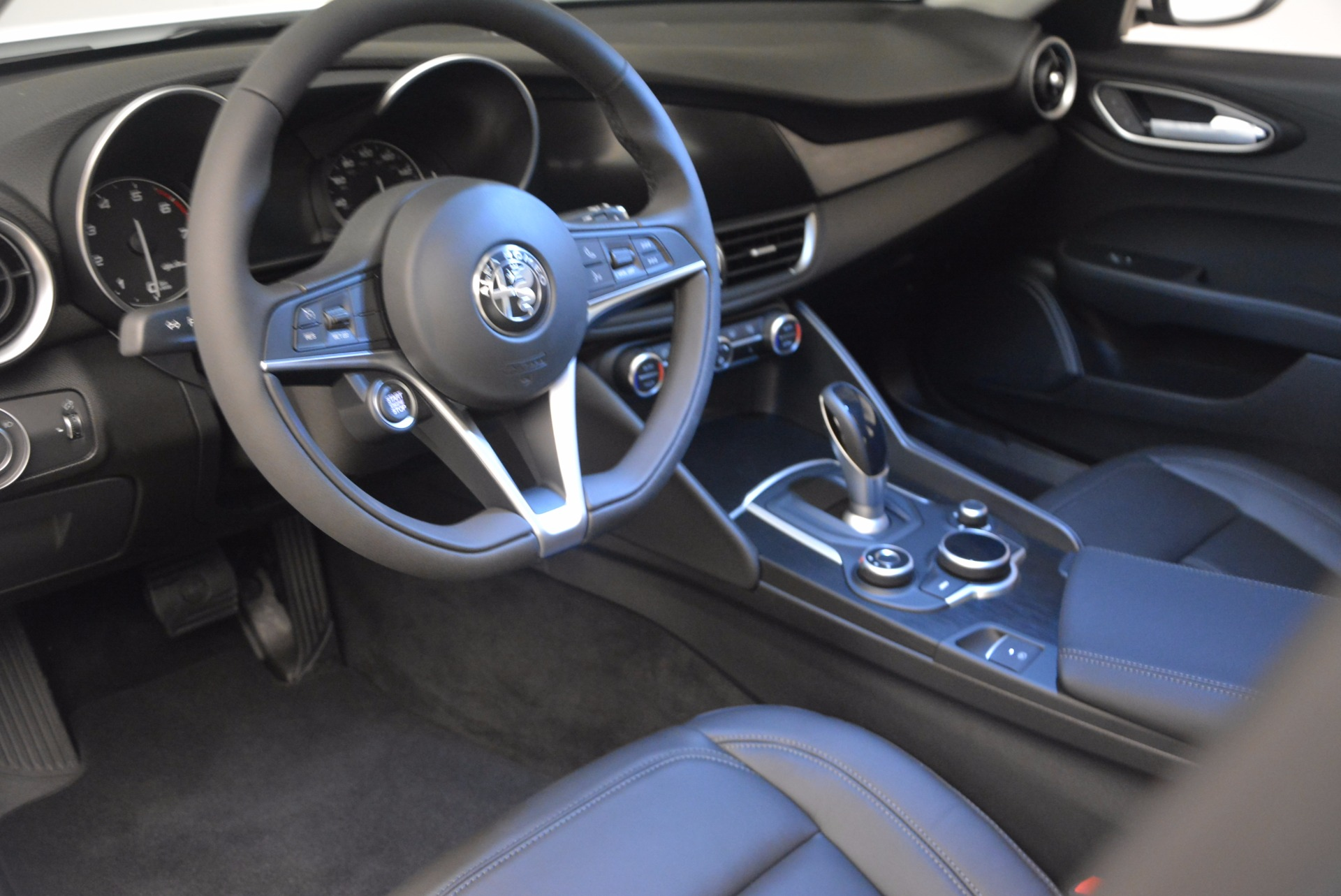 New 2017 Alfa Romeo Giulia Q4 For Sale In Greenwich, CT 1316_p15