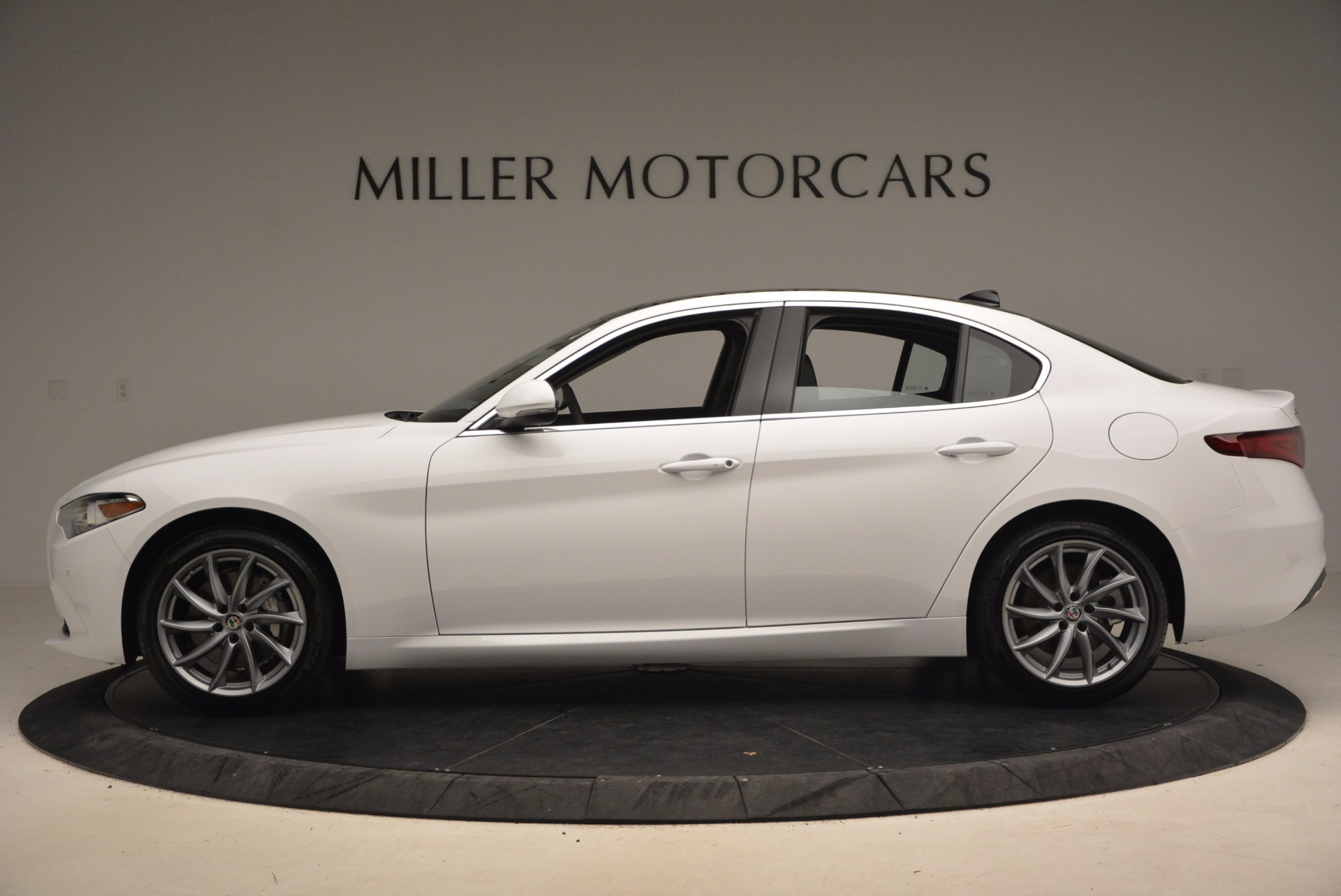 New 2017 Alfa Romeo Giulia Q4 For Sale In Greenwich, CT 1316_p3