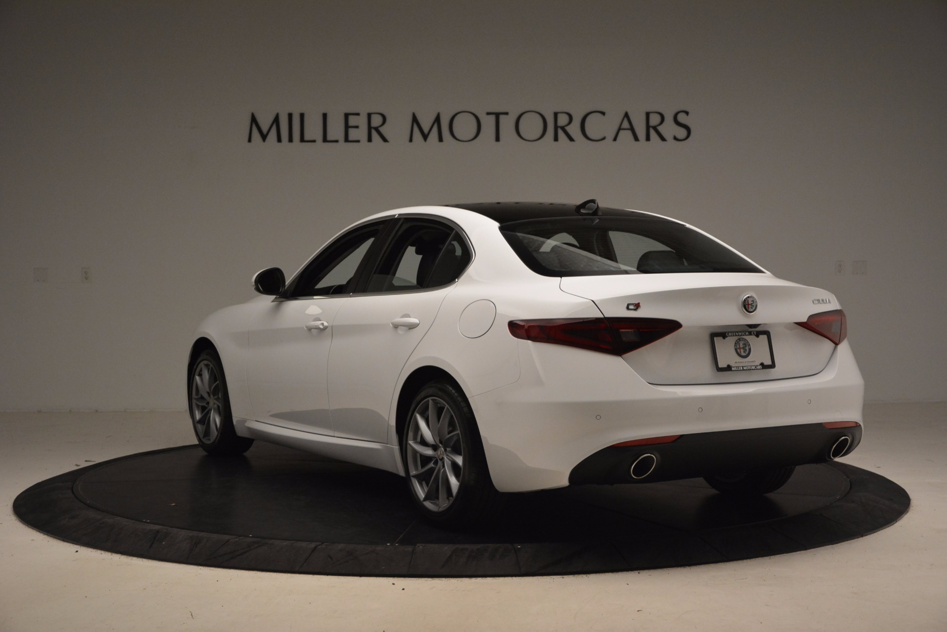 New 2017 Alfa Romeo Giulia Q4 For Sale In Greenwich, CT 1316_p5