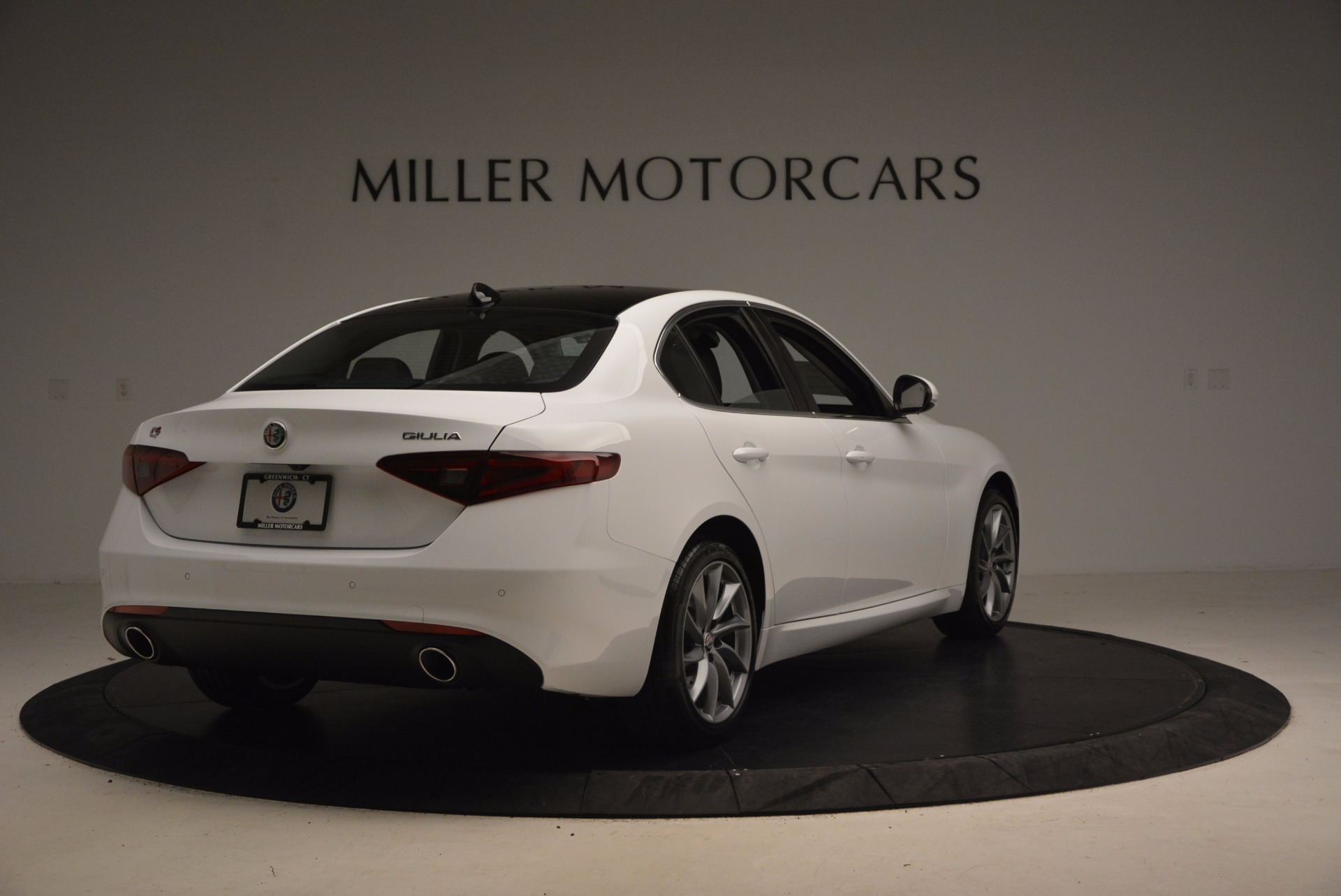 New 2017 Alfa Romeo Giulia Q4 For Sale In Greenwich, CT 1316_p7