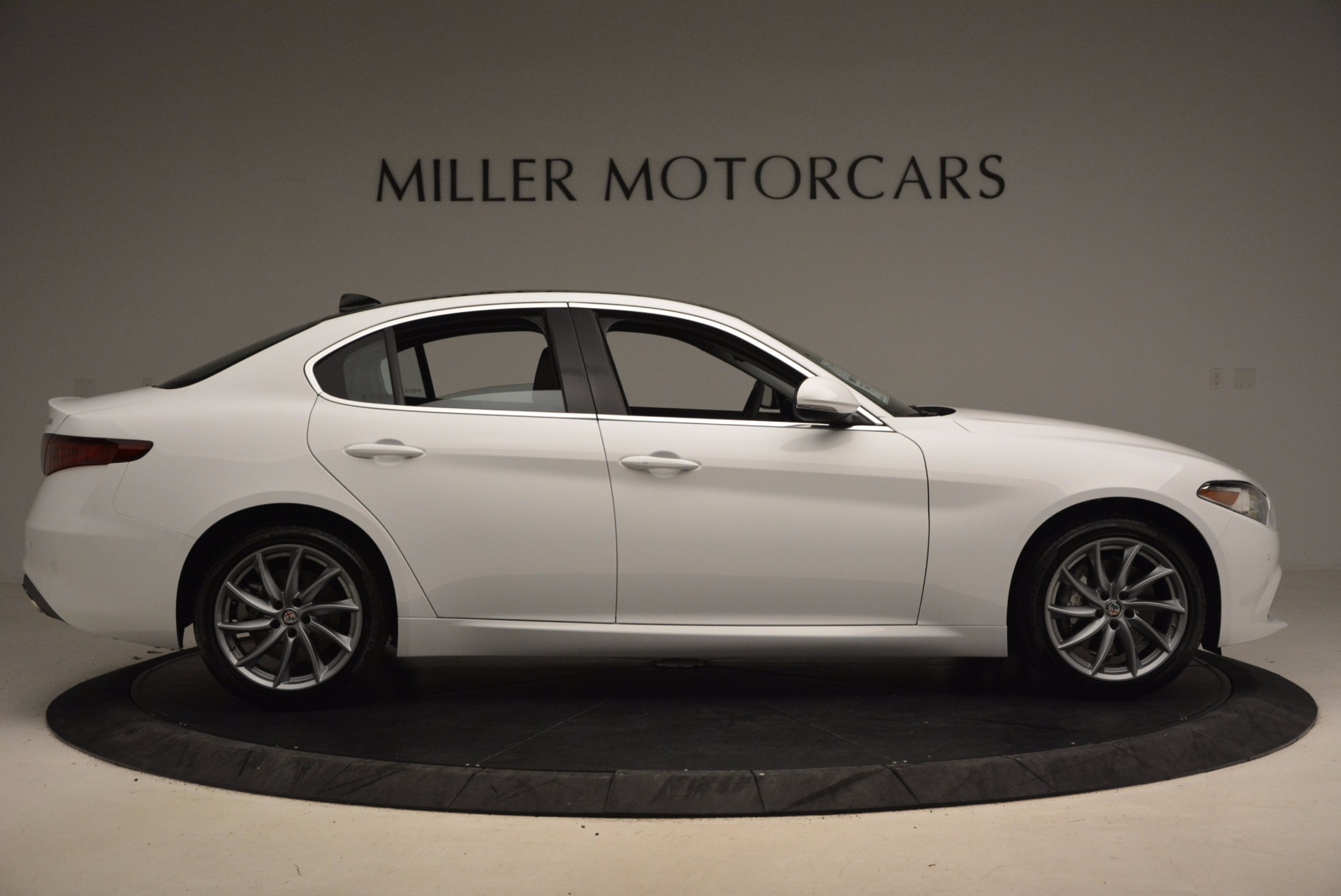 New 2017 Alfa Romeo Giulia Q4 For Sale In Greenwich, CT 1316_p9