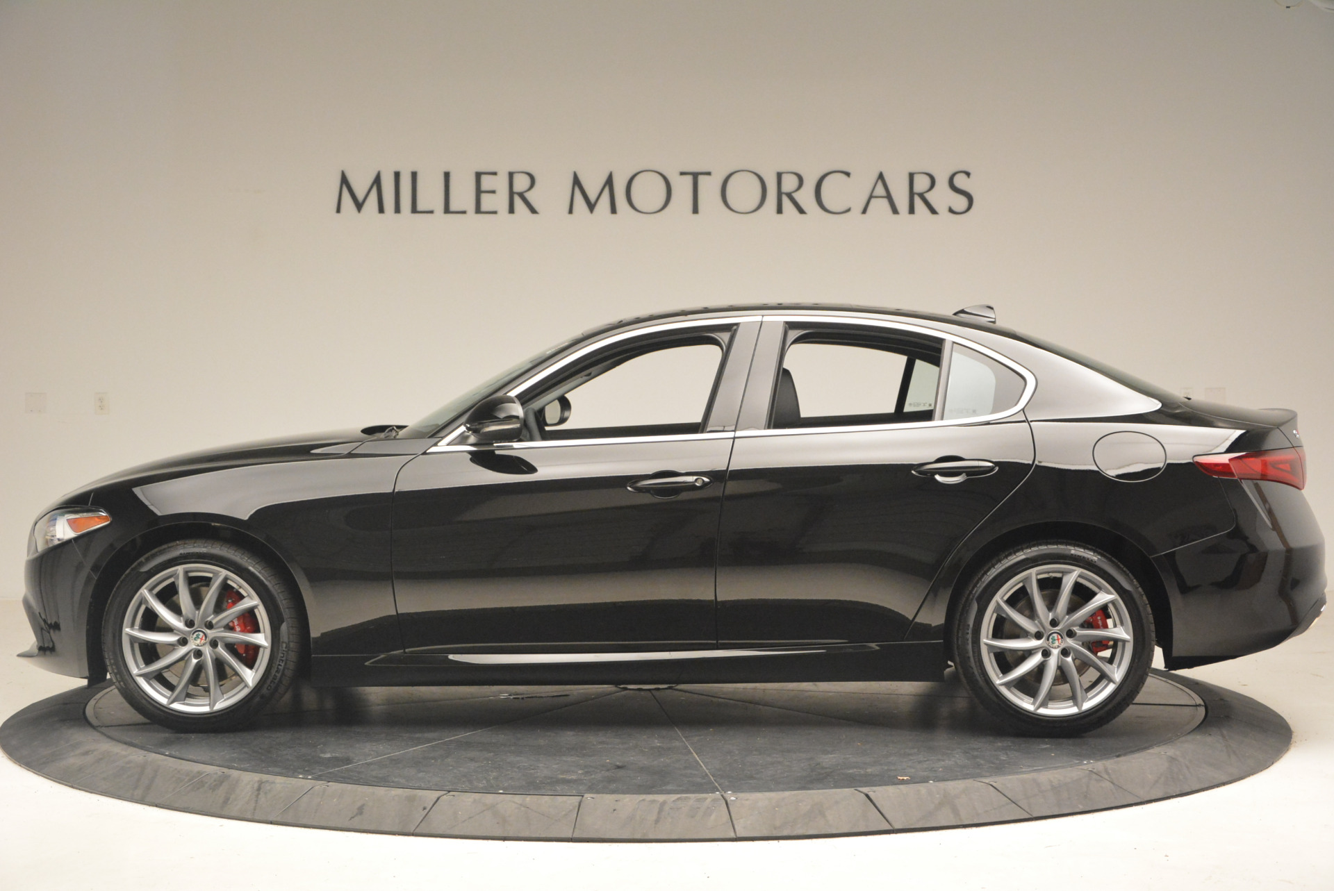 New 2017 Alfa Romeo Giulia Q4 For Sale In Greenwich, CT 1319_p3