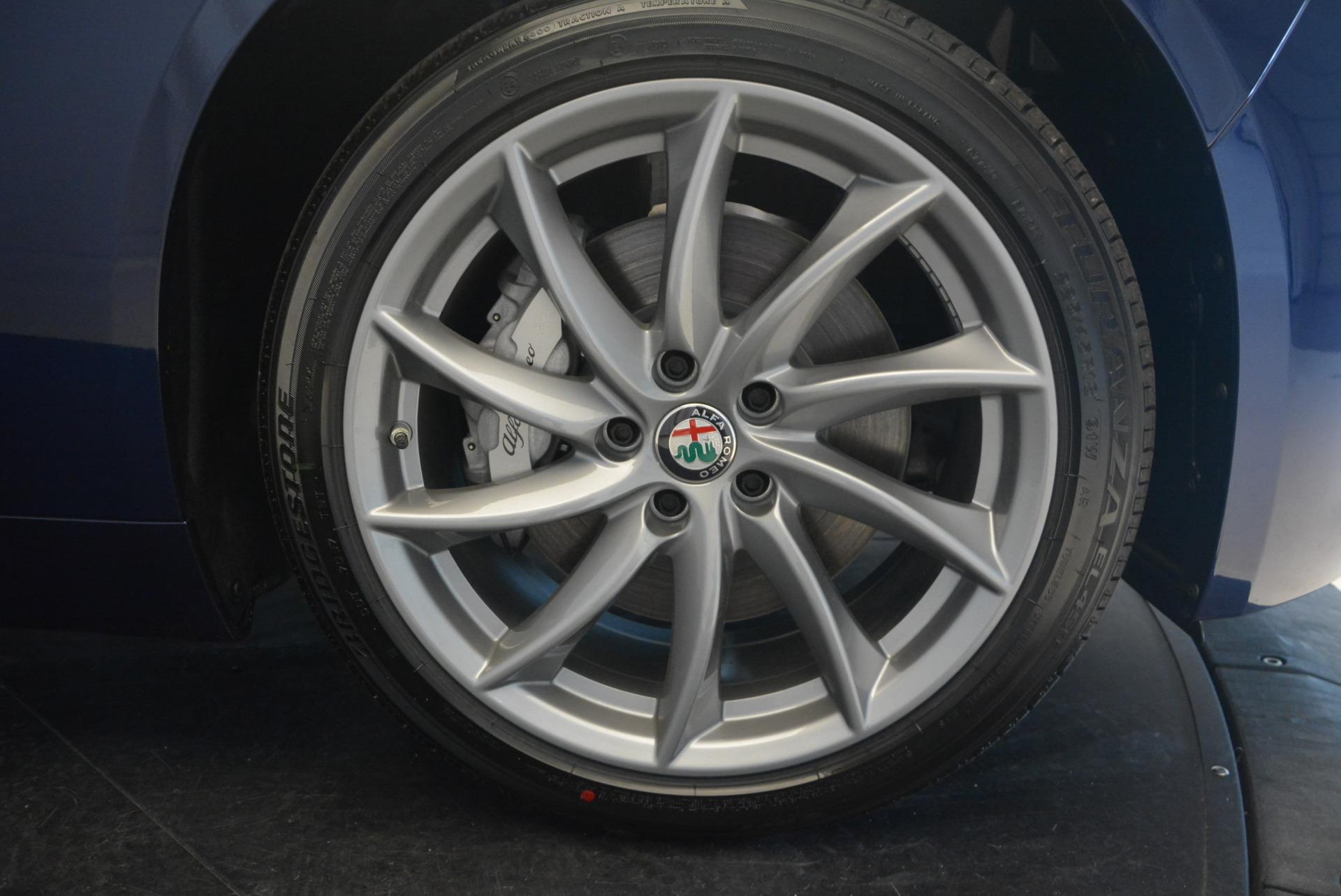 New 2017 Alfa Romeo Giulia Q4 For Sale In Greenwich, CT 1322_p20