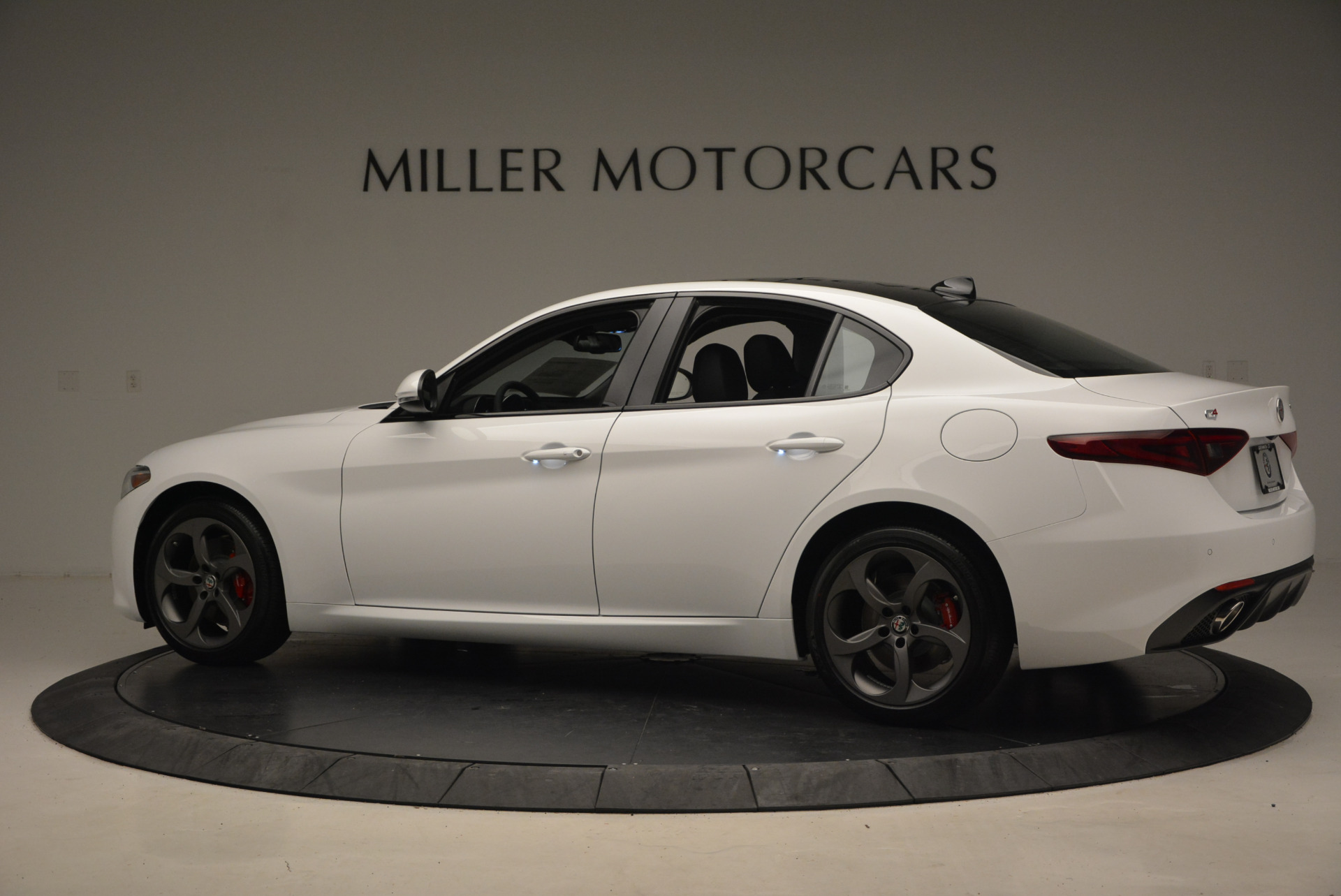 New 2017 Alfa Romeo Giulia Ti Sport Q4 For Sale In Greenwich, CT 1328_p4