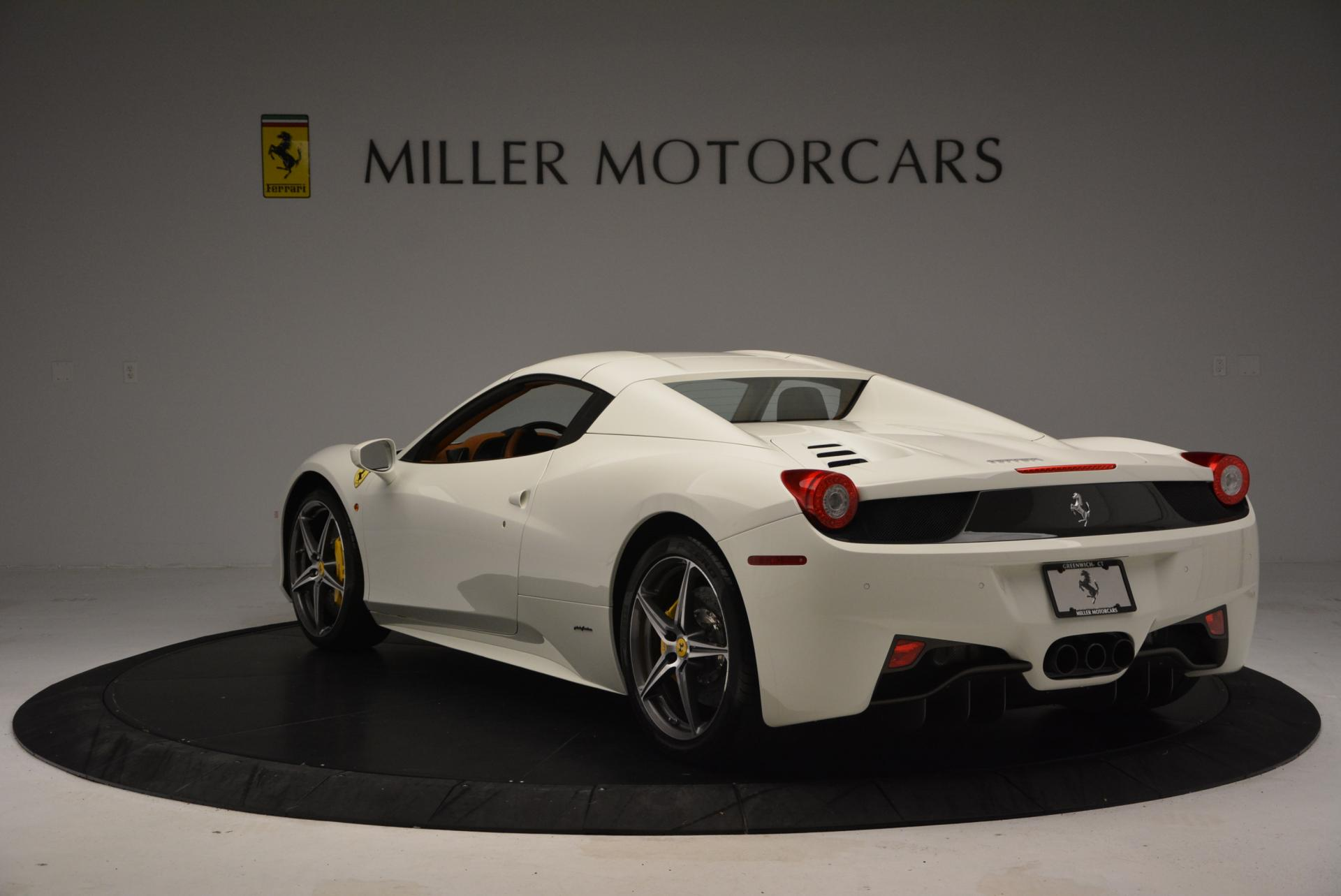 Used 2012 Ferrari 458 Spider  For Sale In Greenwich, CT 133_p17