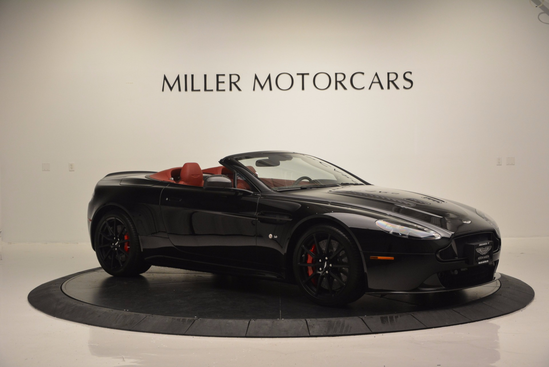 Used 2015 Aston Martin V12 Vantage S Roadster For Sale In Greenwich, CT 1335_p10