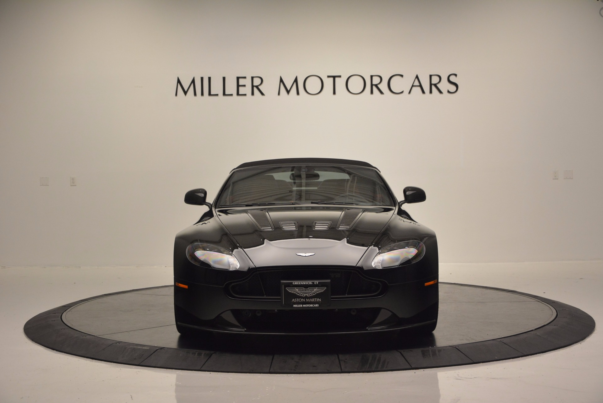 Used 2015 Aston Martin V12 Vantage S Roadster For Sale In Greenwich, CT 1335_p18