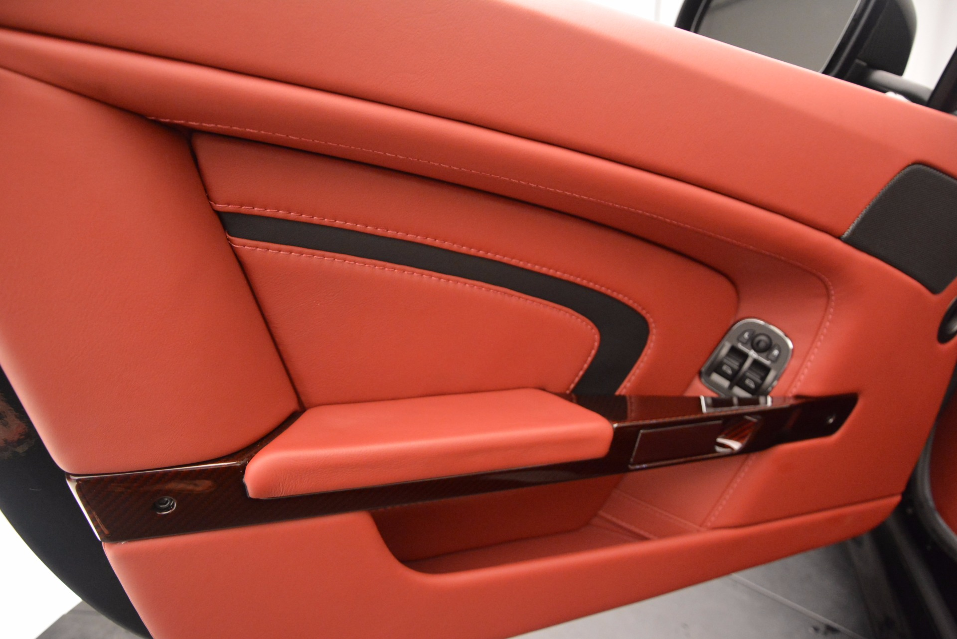 Used 2015 Aston Martin V12 Vantage S Roadster For Sale In Greenwich, CT 1335_p23