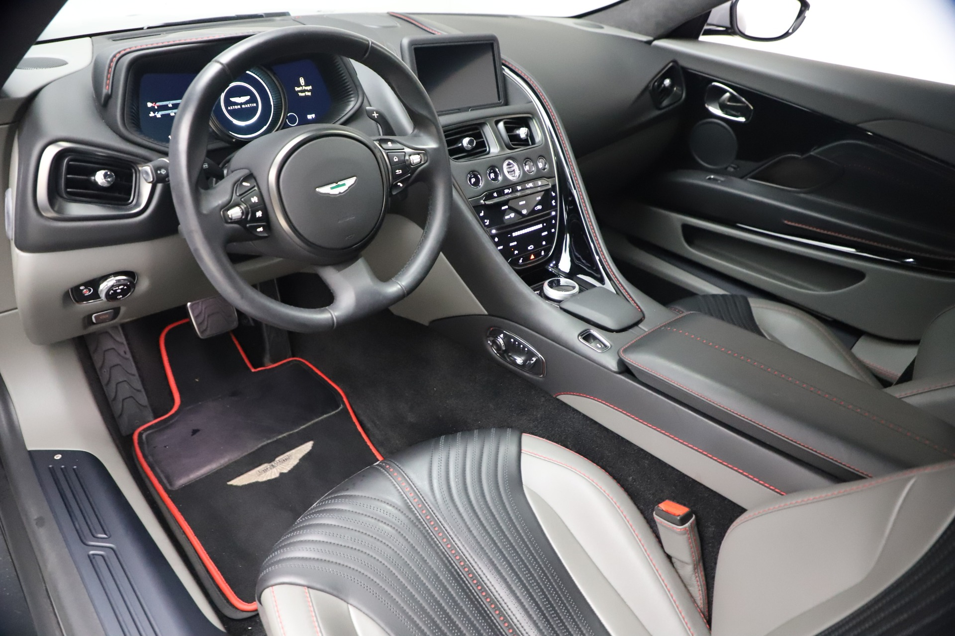 New 2017 Aston Martin DB11  For Sale In Greenwich, CT 1340_p13