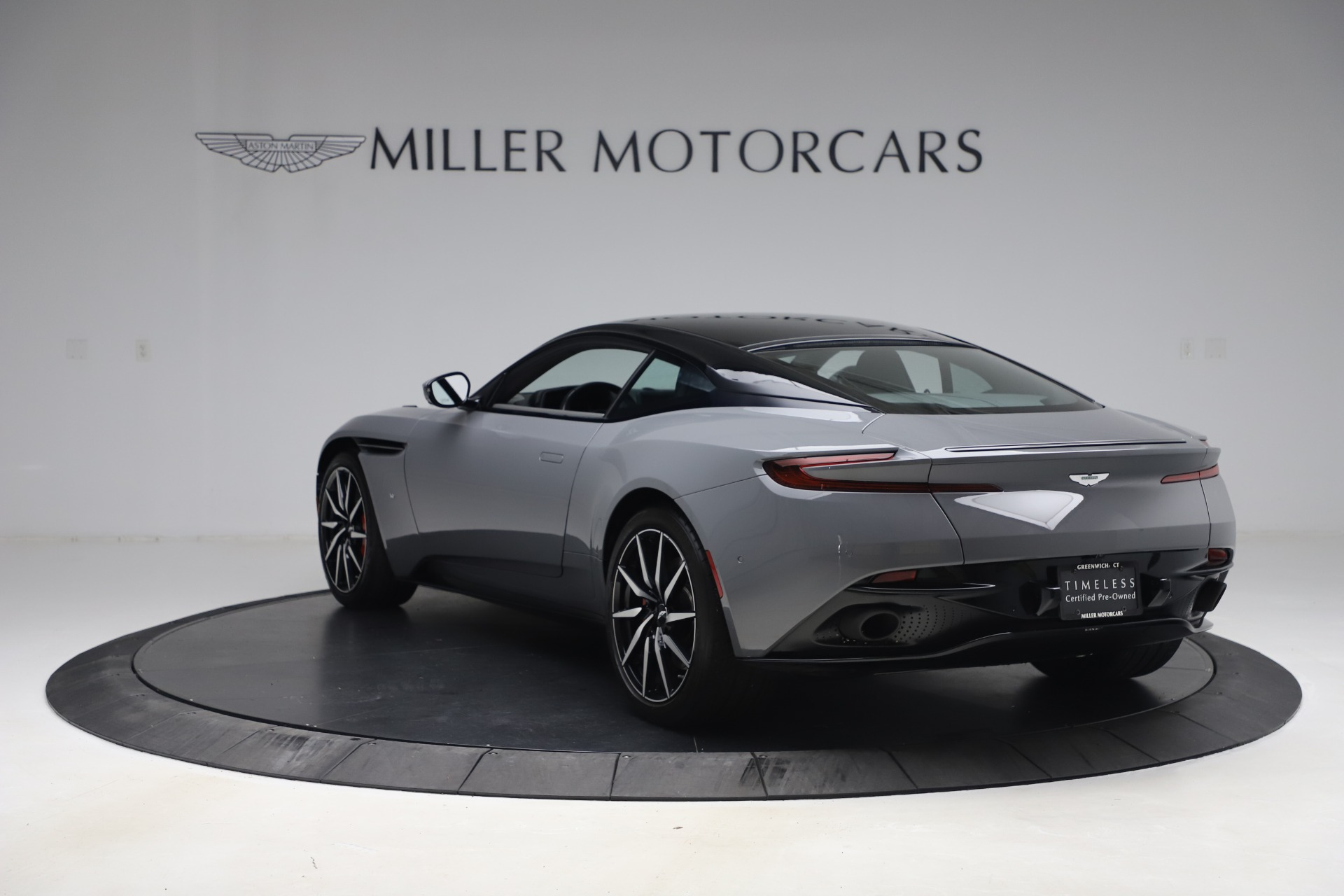 New 2017 Aston Martin DB11  For Sale In Greenwich, CT 1340_p4