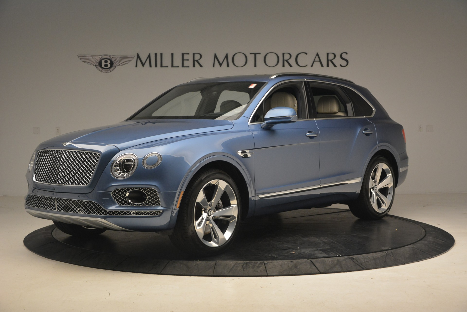 New 2018 Bentley Bentayga  For Sale In Greenwich, CT 1342_p2