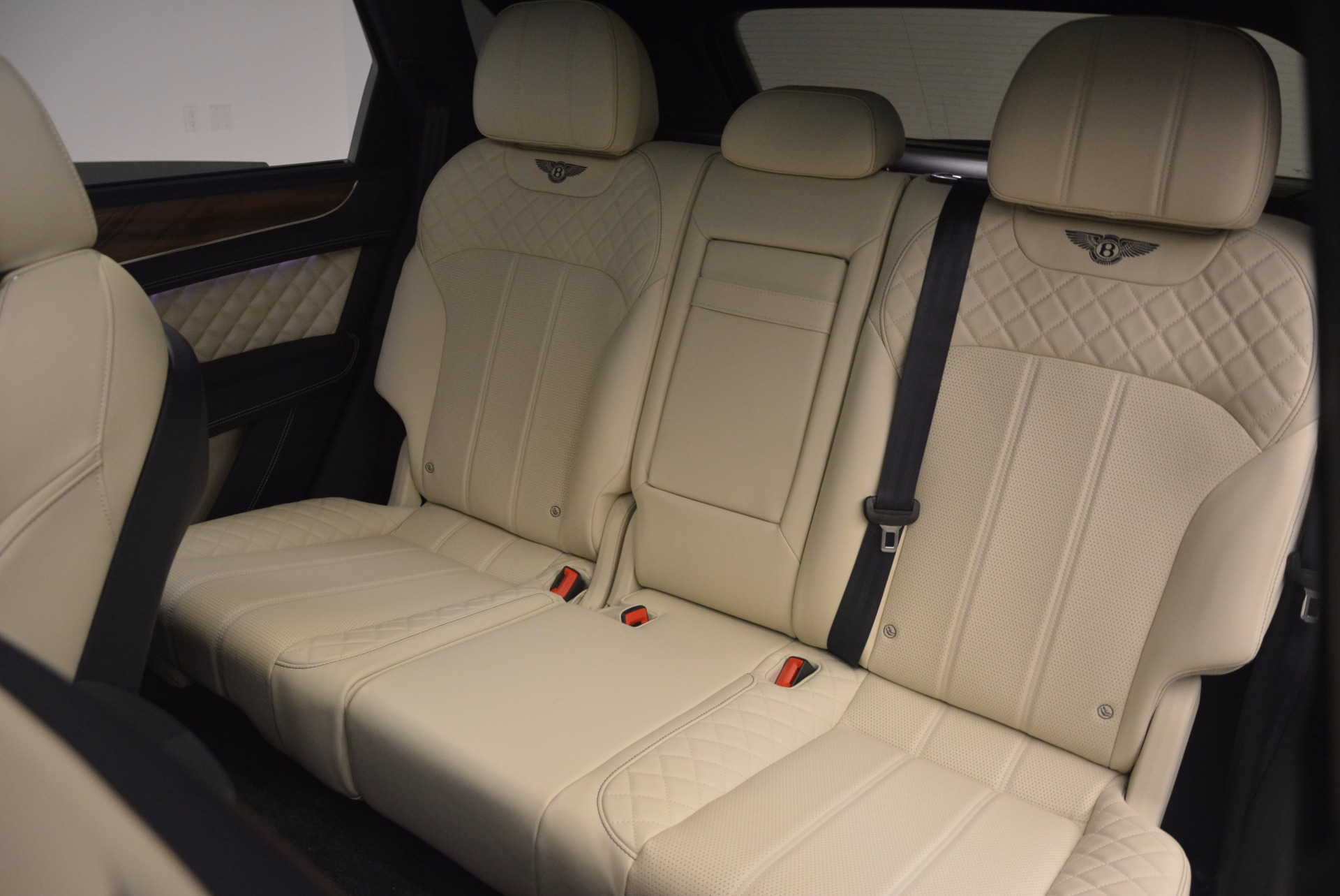 New 2018 Bentley Bentayga  For Sale In Greenwich, CT 1342_p40