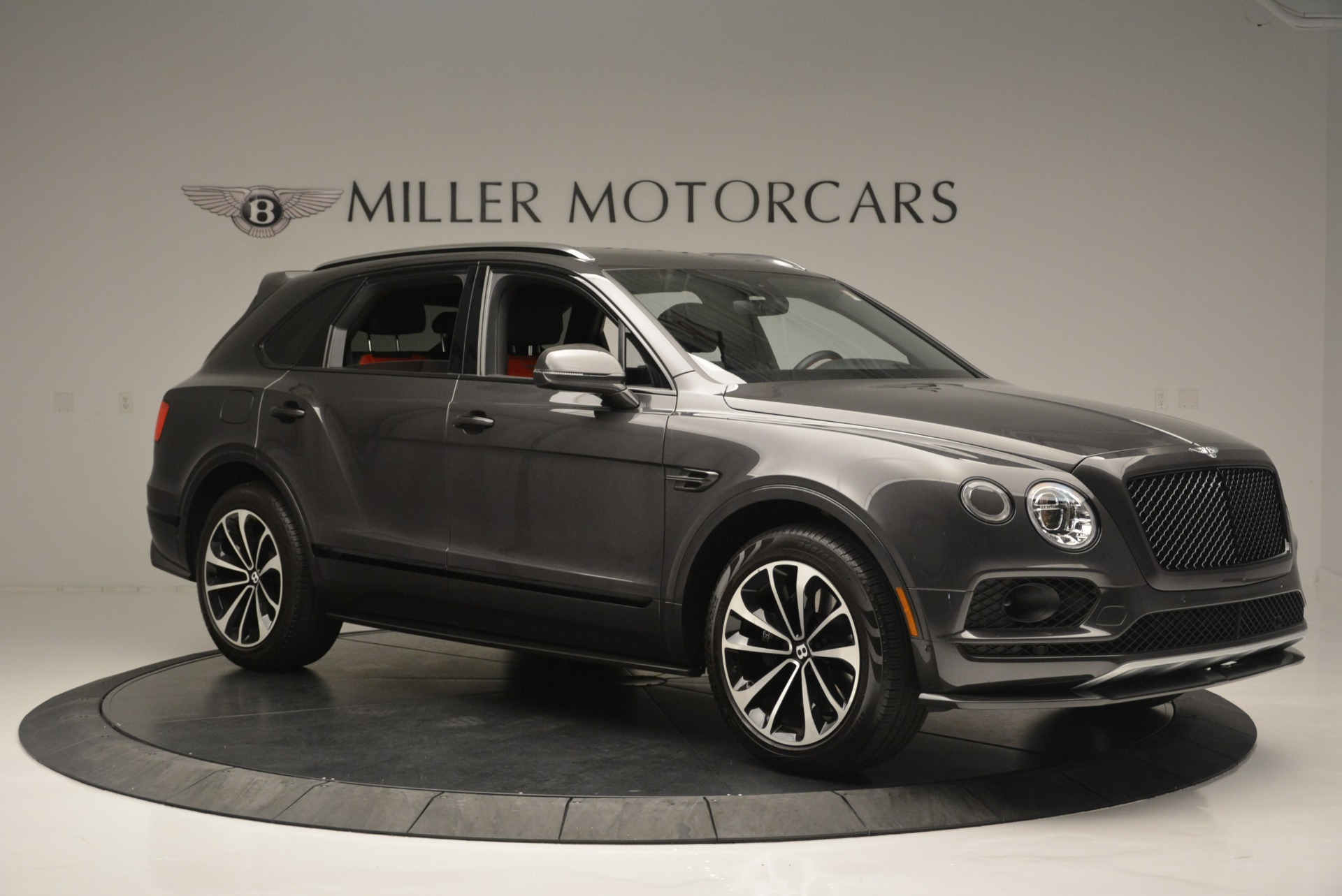Used 2018 Bentley Bentayga W12 Signature For Sale In Greenwich, CT 1357_p10