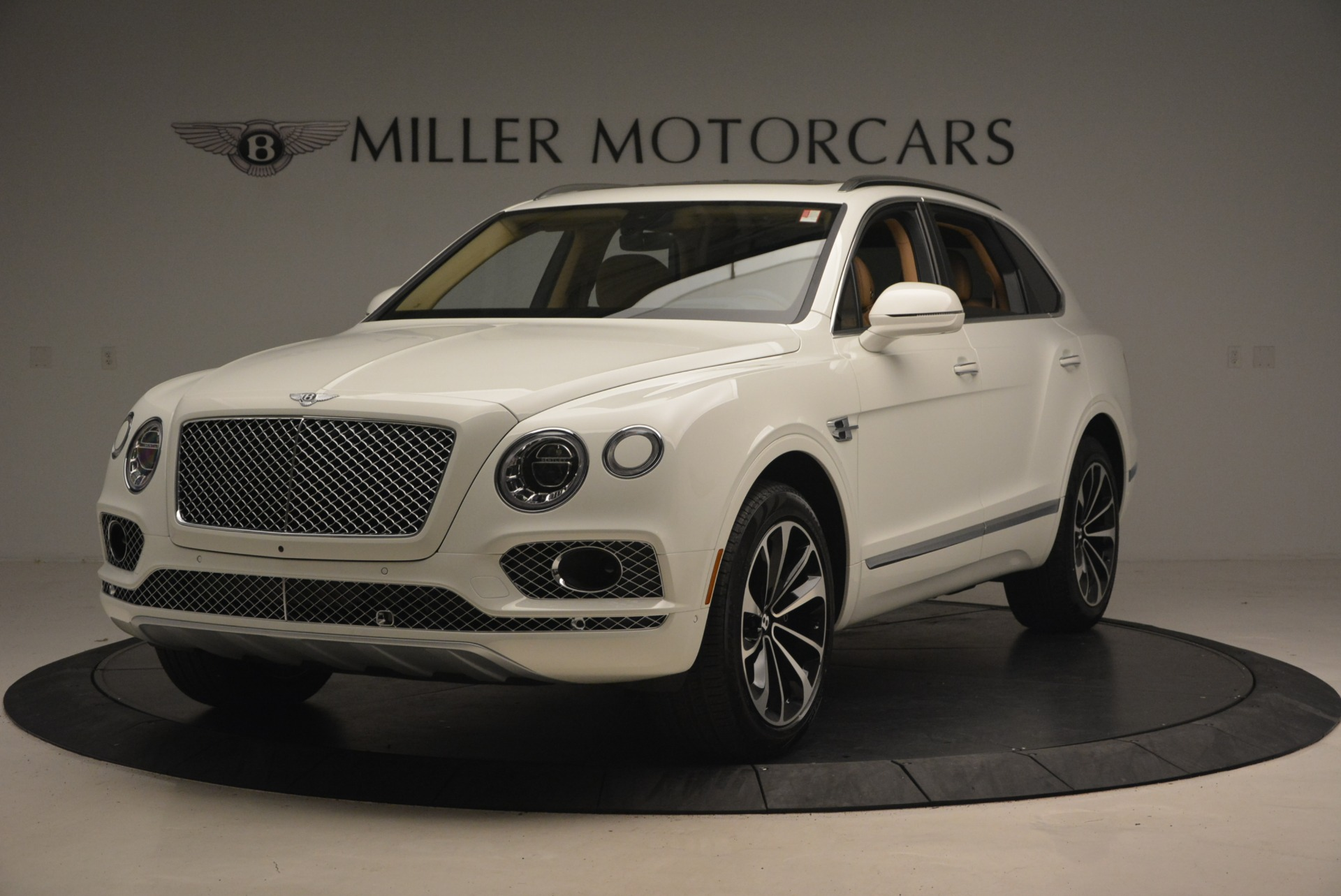 New 2018 Bentley Bentayga W12 Signature For Sale In Greenwich, CT 1358_main