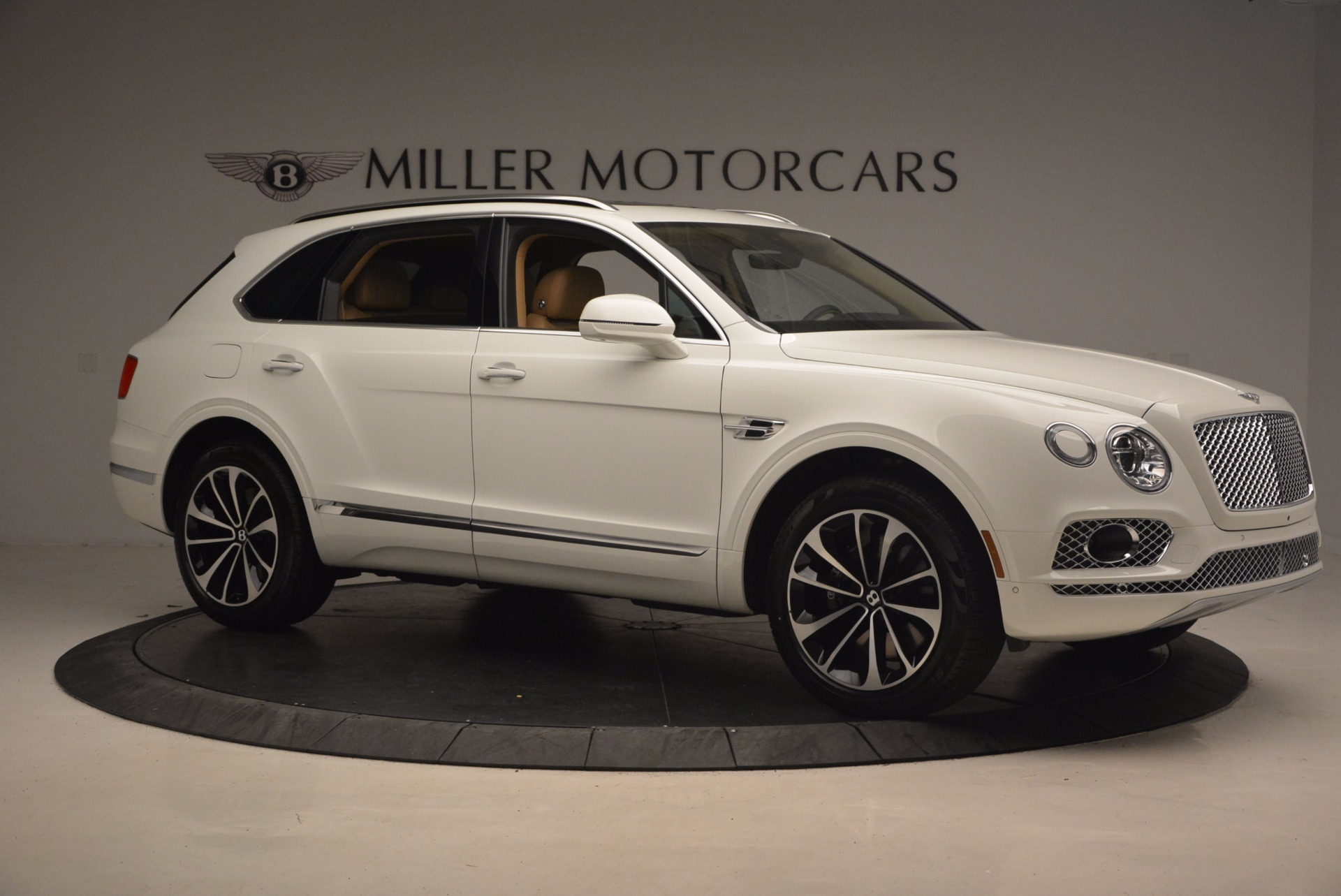 New 2018 Bentley Bentayga W12 Signature For Sale In Greenwich, CT 1358_p10