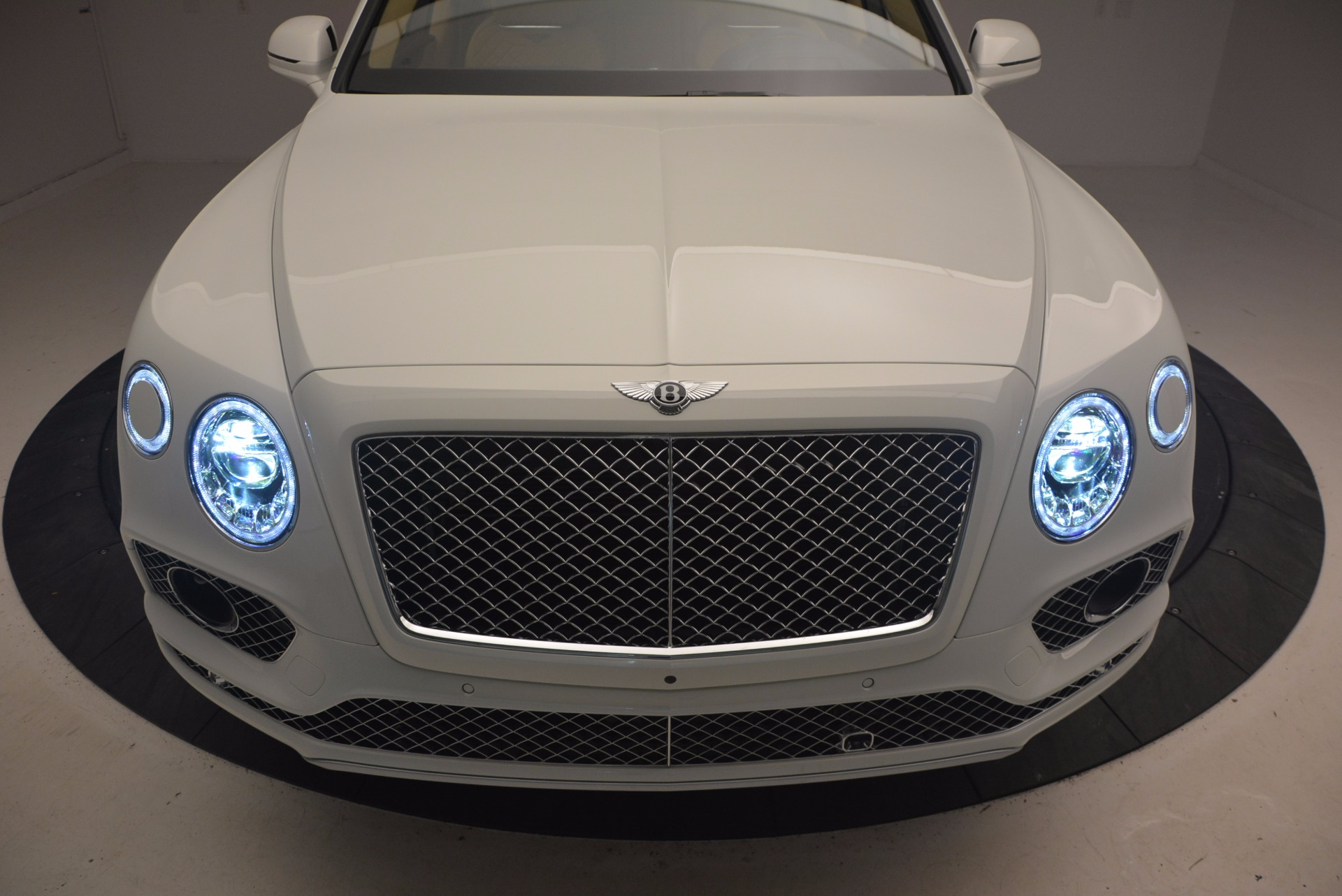 New 2018 Bentley Bentayga W12 Signature For Sale In Greenwich, CT 1358_p14