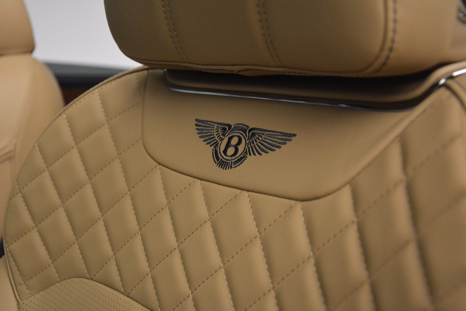 New 2018 Bentley Bentayga W12 Signature For Sale In Greenwich, CT 1358_p23