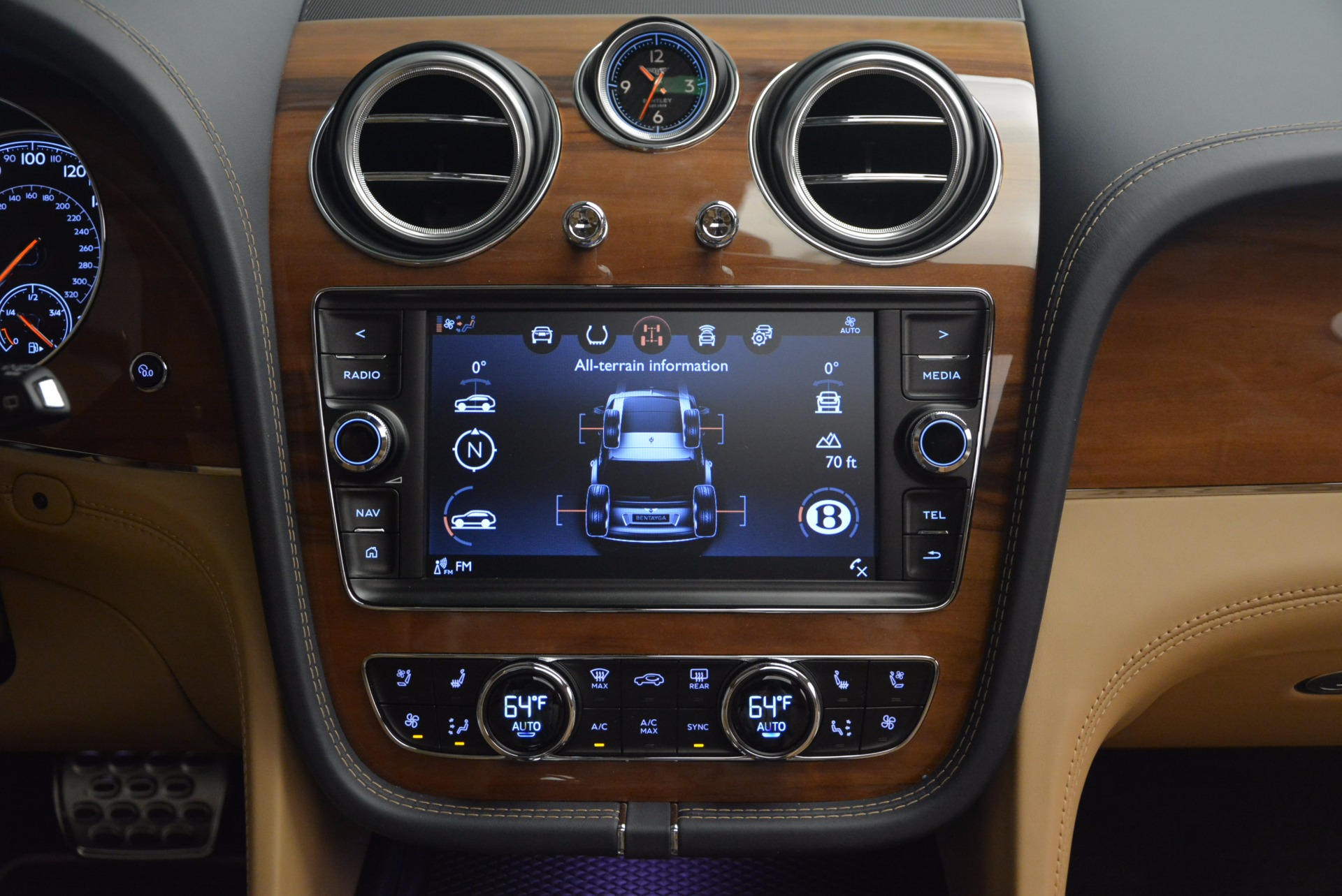 New 2018 Bentley Bentayga W12 Signature For Sale In Greenwich, CT 1358_p29