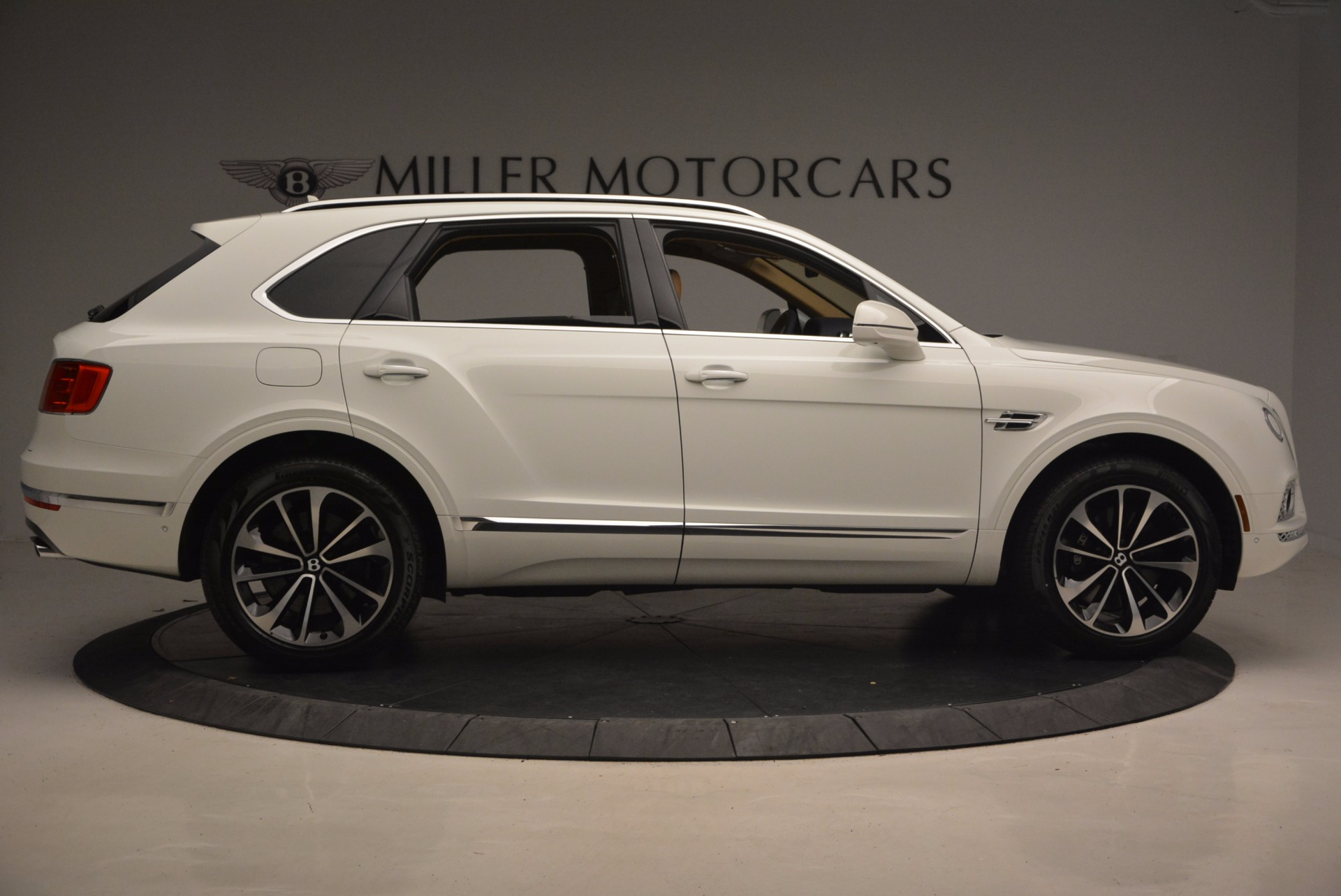 New 2018 Bentley Bentayga W12 Signature For Sale In Greenwich, CT 1358_p9