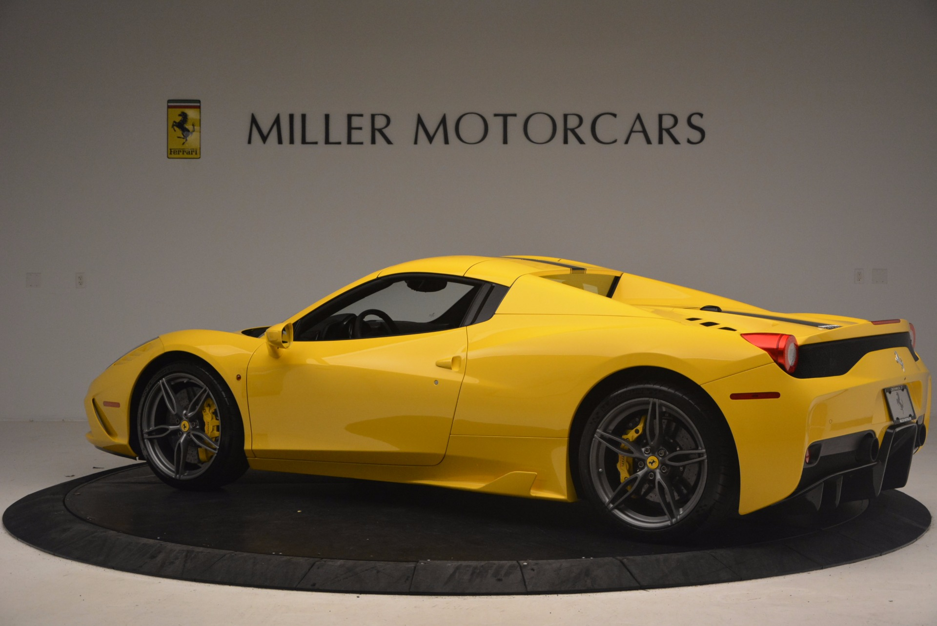 Used 2015 Ferrari 458 Speciale Aperta  For Sale In Greenwich, CT 1360_p16