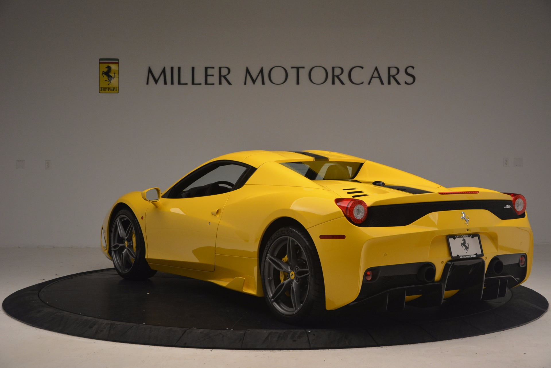 Used 2015 Ferrari 458 Speciale Aperta  For Sale In Greenwich, CT 1360_p17
