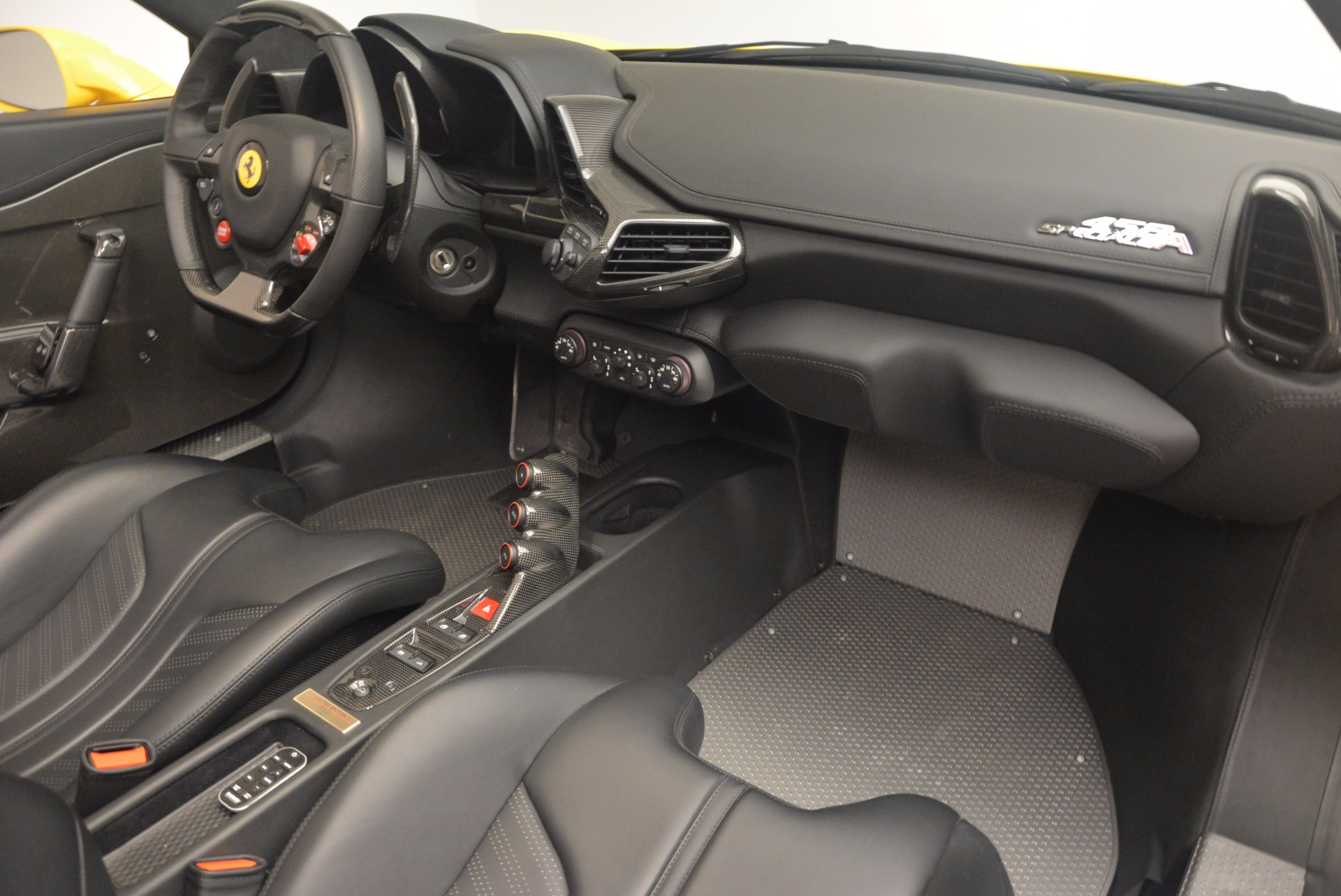 Used 2015 Ferrari 458 Speciale Aperta  For Sale In Greenwich, CT 1360_p29