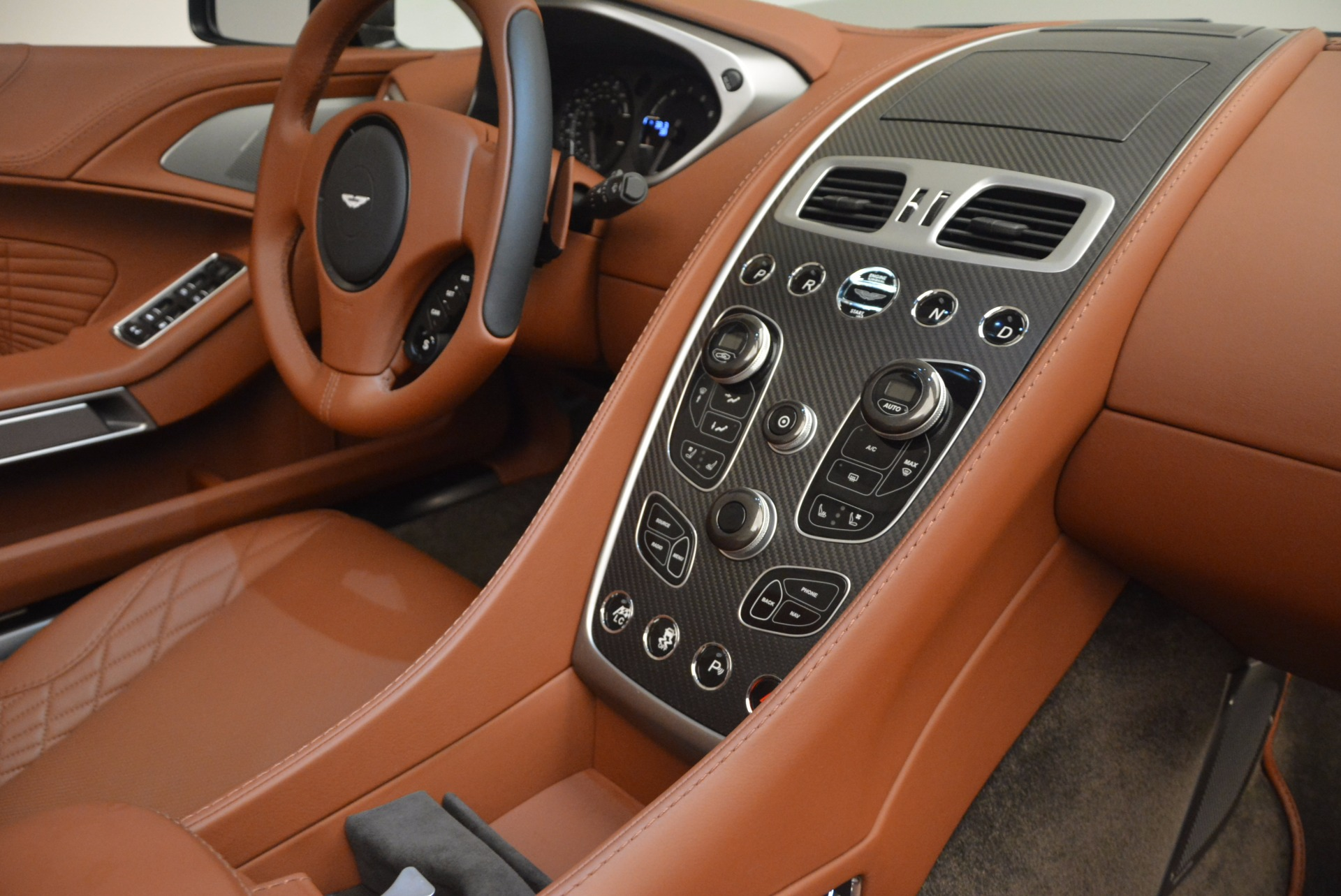 Used 2018 Aston Martin Vanquish S Convertible For Sale In Greenwich, CT 1362_p24