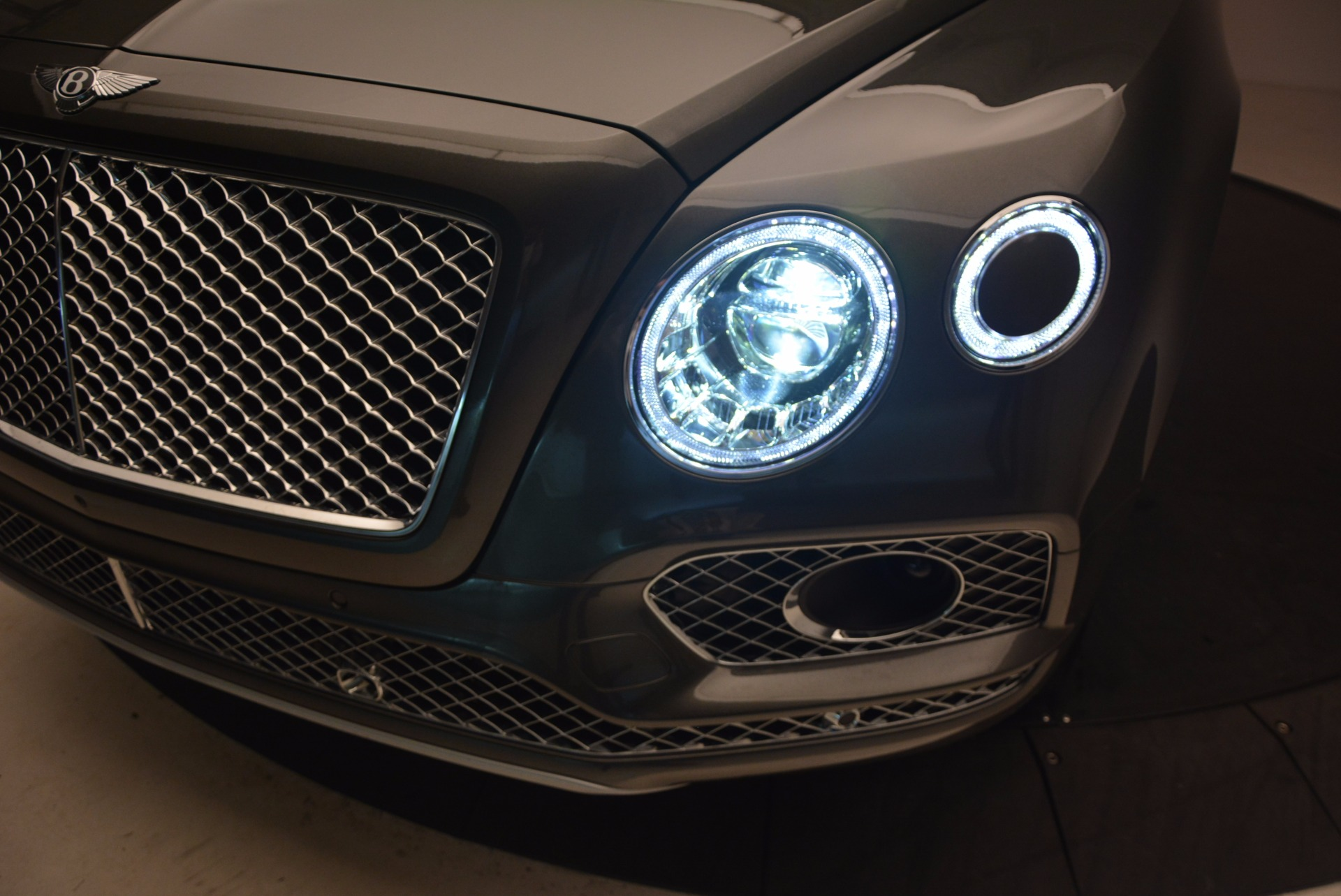 New 2018 Bentley Bentayga  For Sale In Greenwich, CT 1363_p17