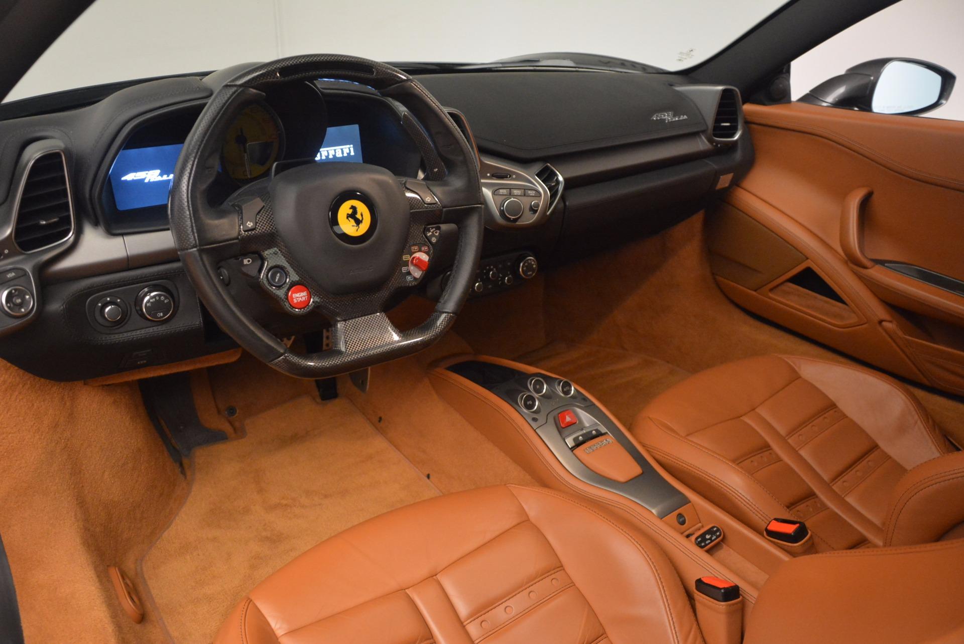 Used 2011 Ferrari 458 Italia  For Sale In Greenwich, CT 1385_p13