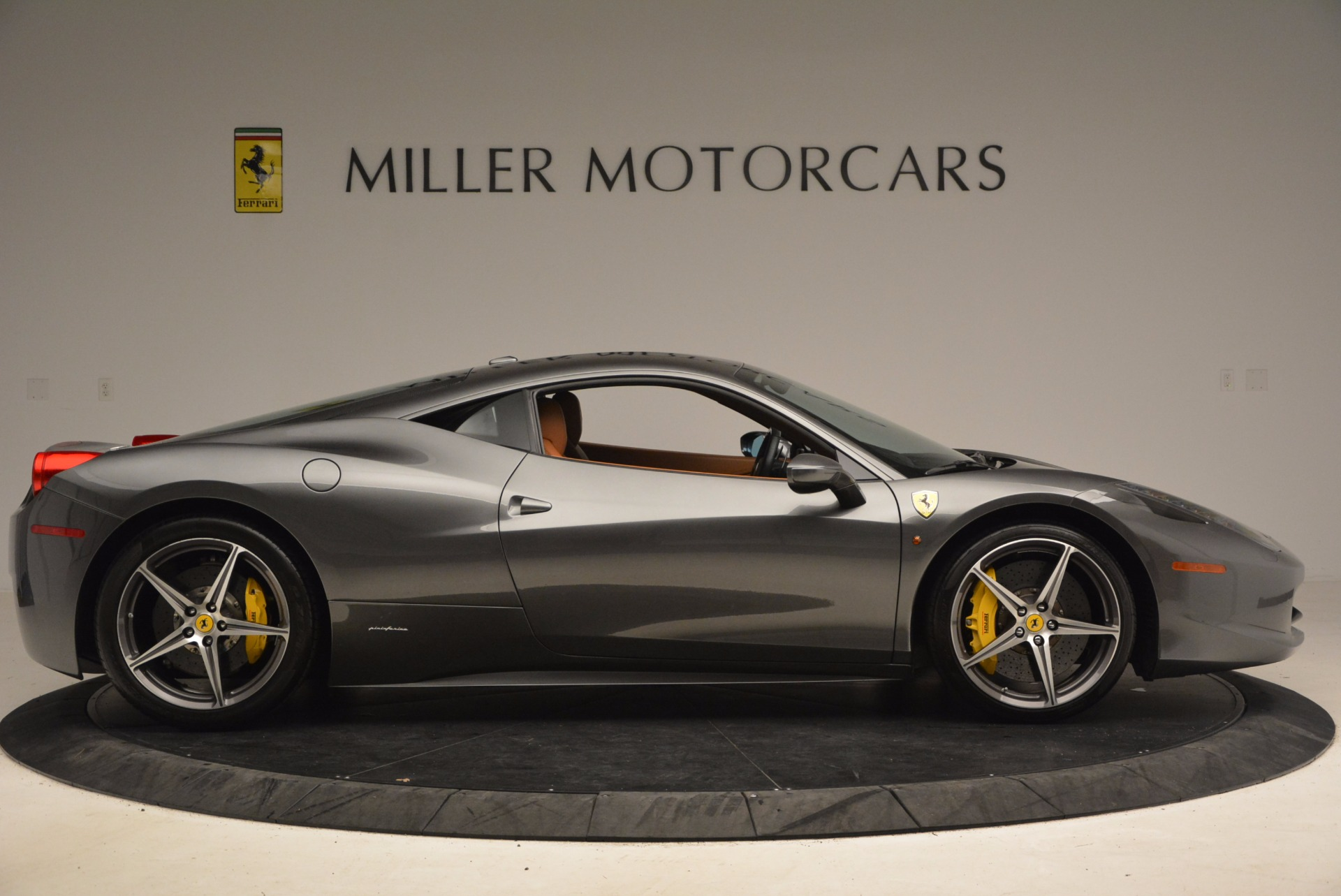 Used 2011 Ferrari 458 Italia  For Sale In Greenwich, CT 1385_p9